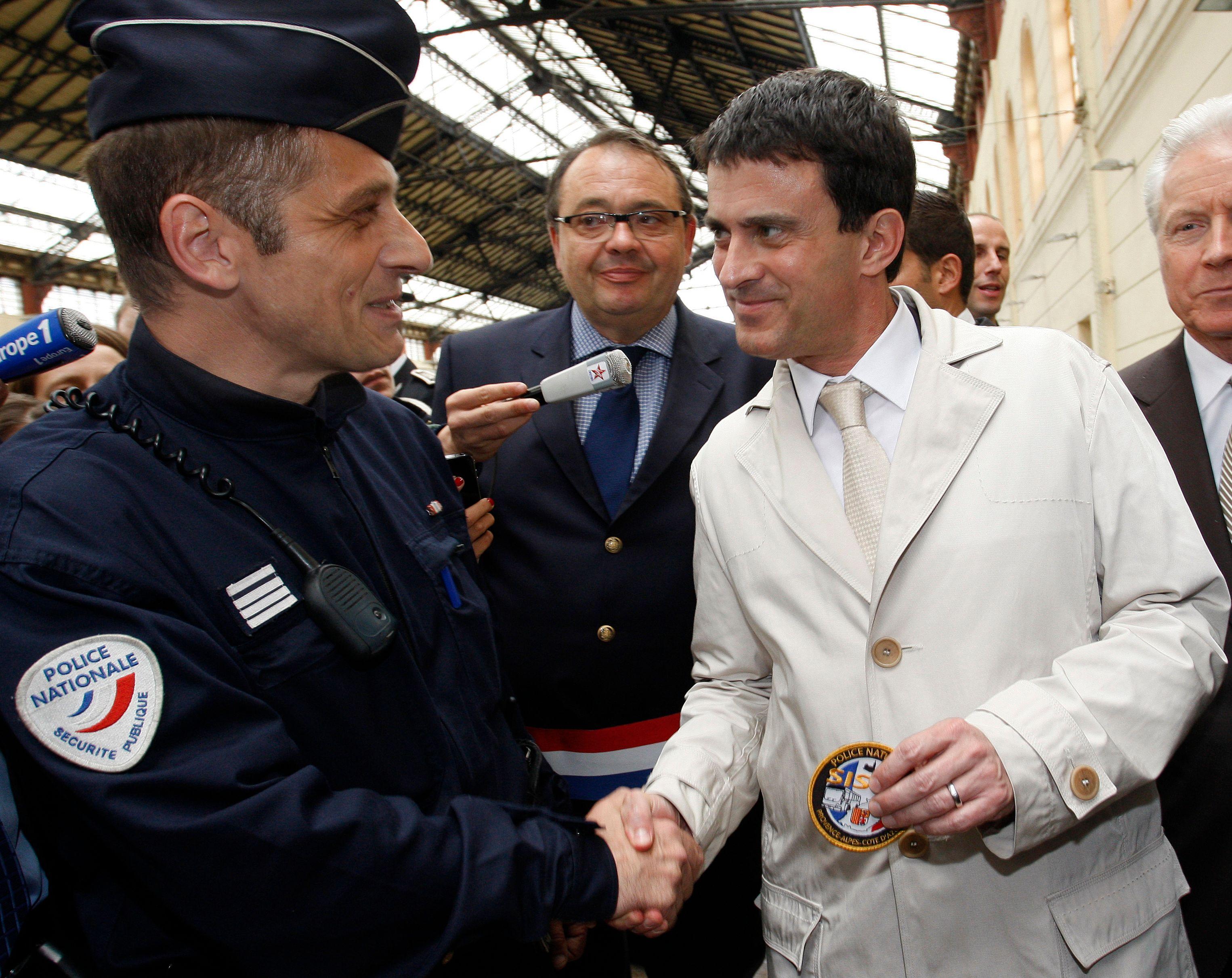 Quelle est la ligne du gouvernement en matière de sécurité ? Faut-il se fier au martial Manuel Valls ou à la compréhensive Christiane Taubira ?