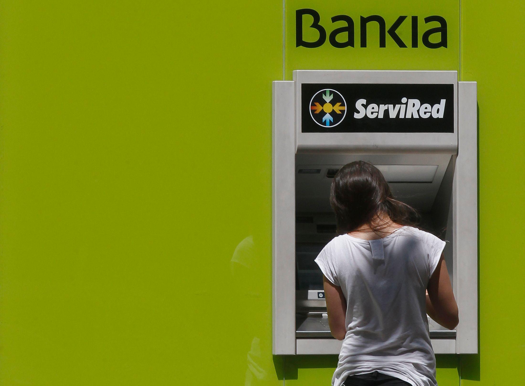 Les banques proposent des produits à leurs clients tout en sachant que ces derniers y perdront.