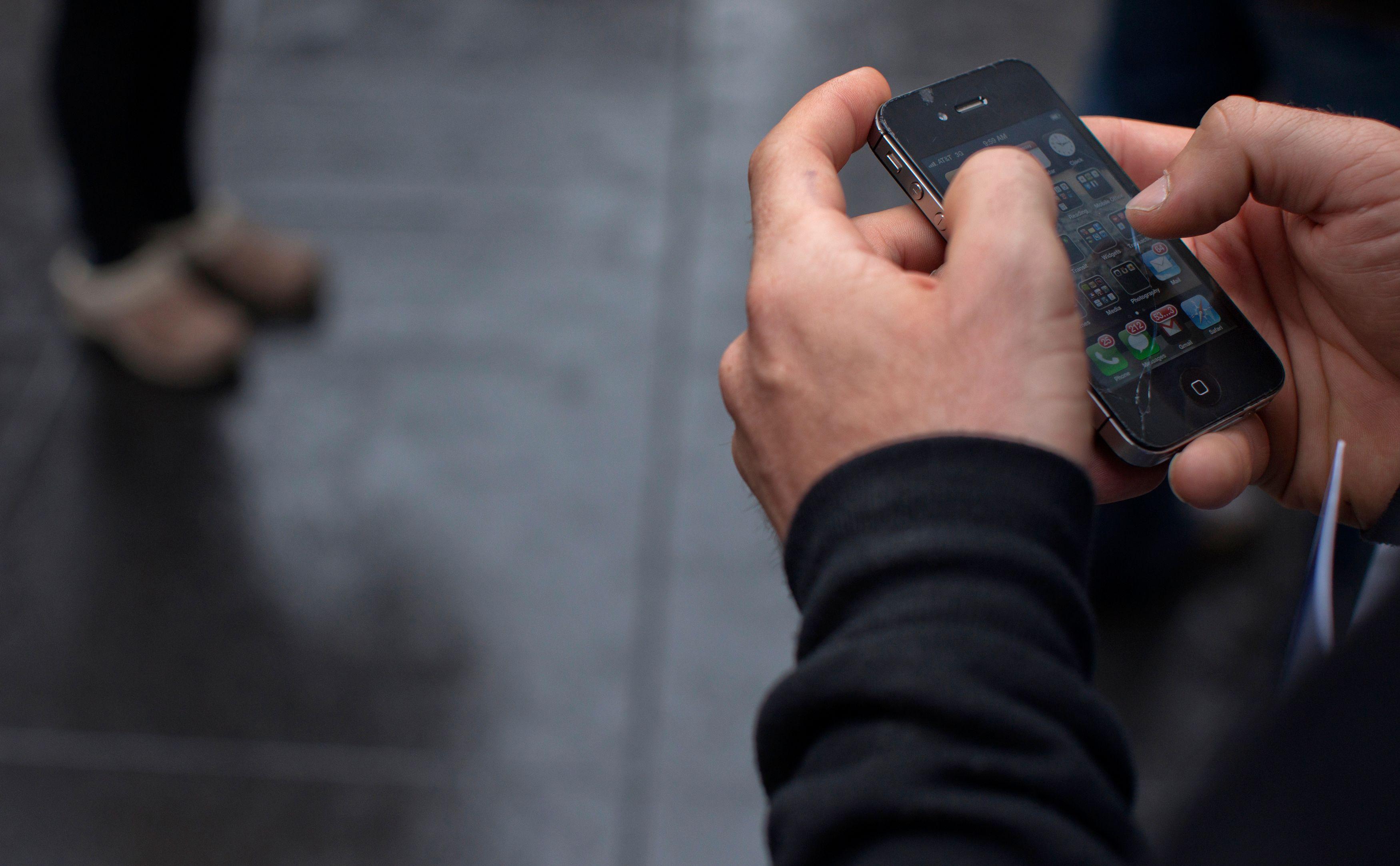 Un dirigeant utilise son smartphone entre 13 et 18 heures par jour.