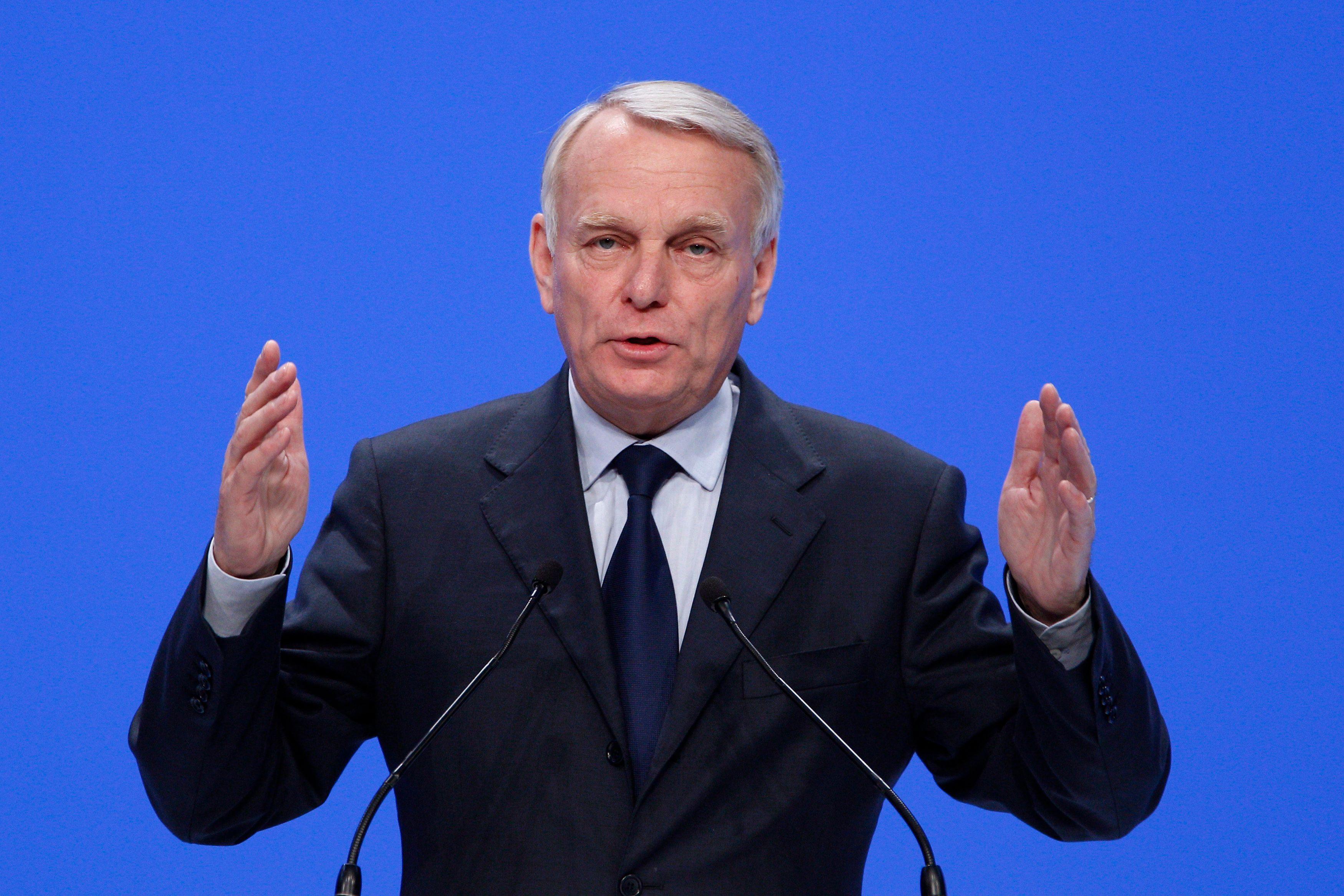 Le discours de Jean-Marc Ayrault a suscité de nombreuses réactions à droite comme à gauche.