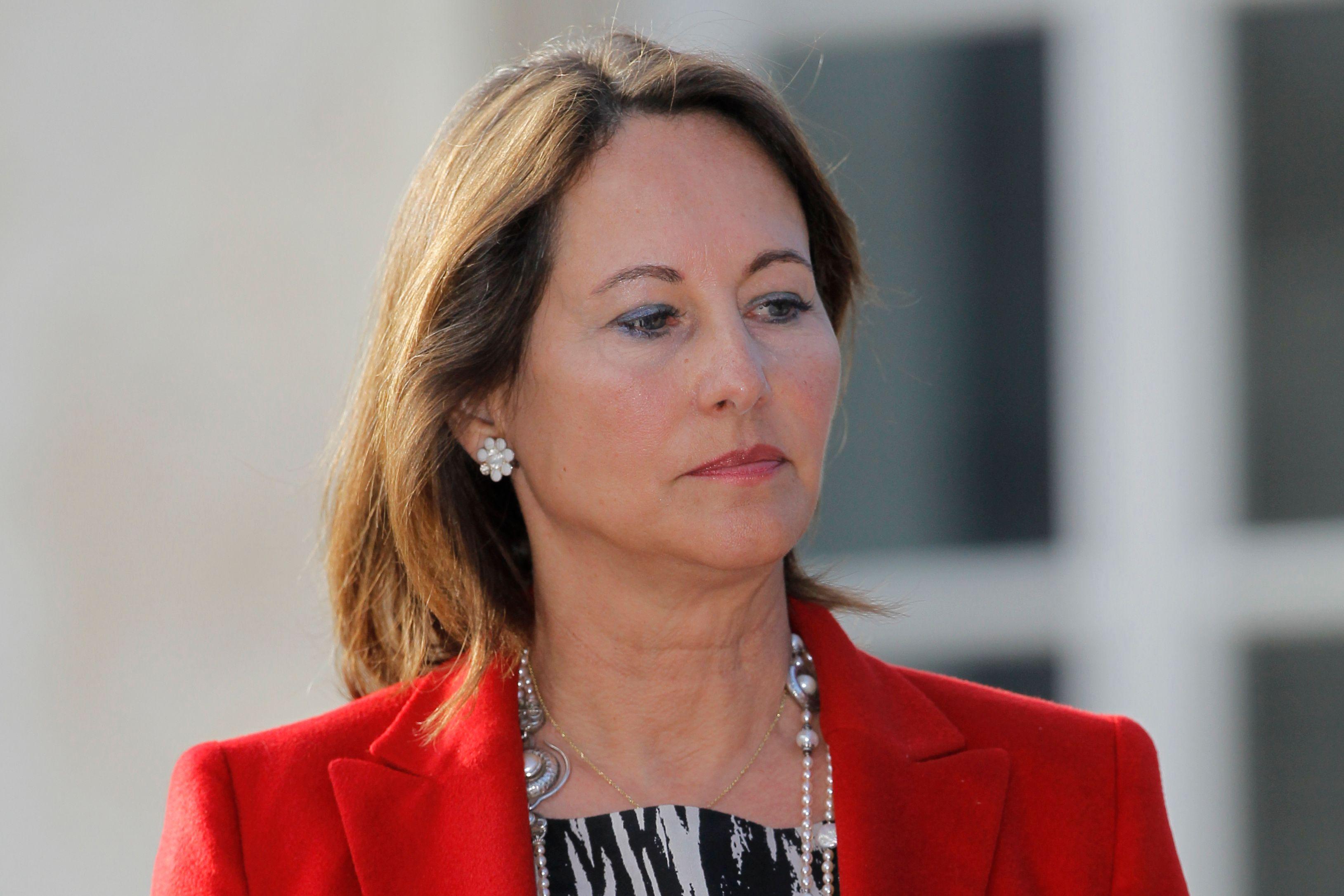 Ségolène Royal dénonce à son tour les contrats entre l'Etat et les sociétés concessionnaires.