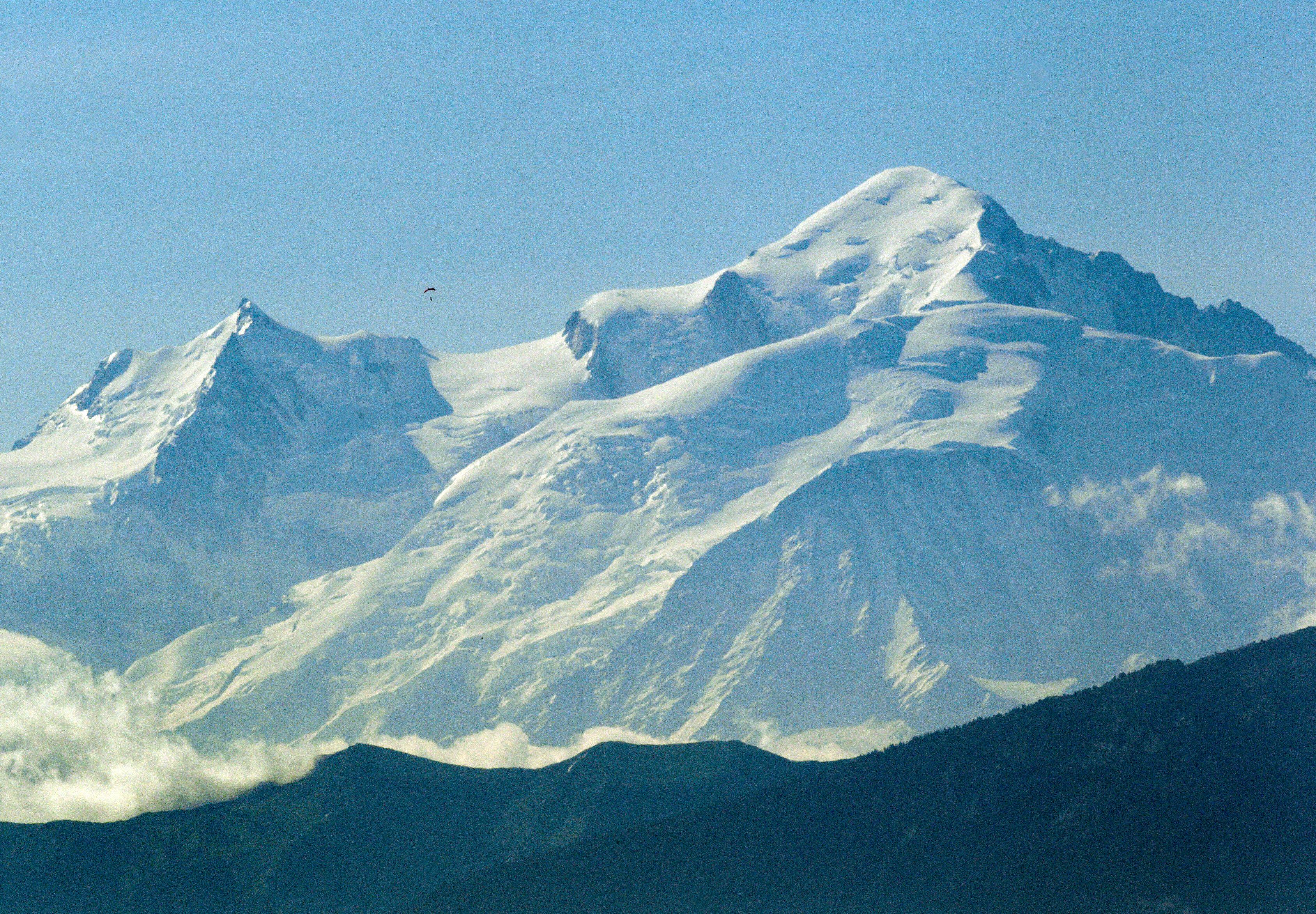 """Le """"Toit du monde occidental"""" était passé de 4.808 mètres en 2003 à près de 4.811 mètres en 2007."""