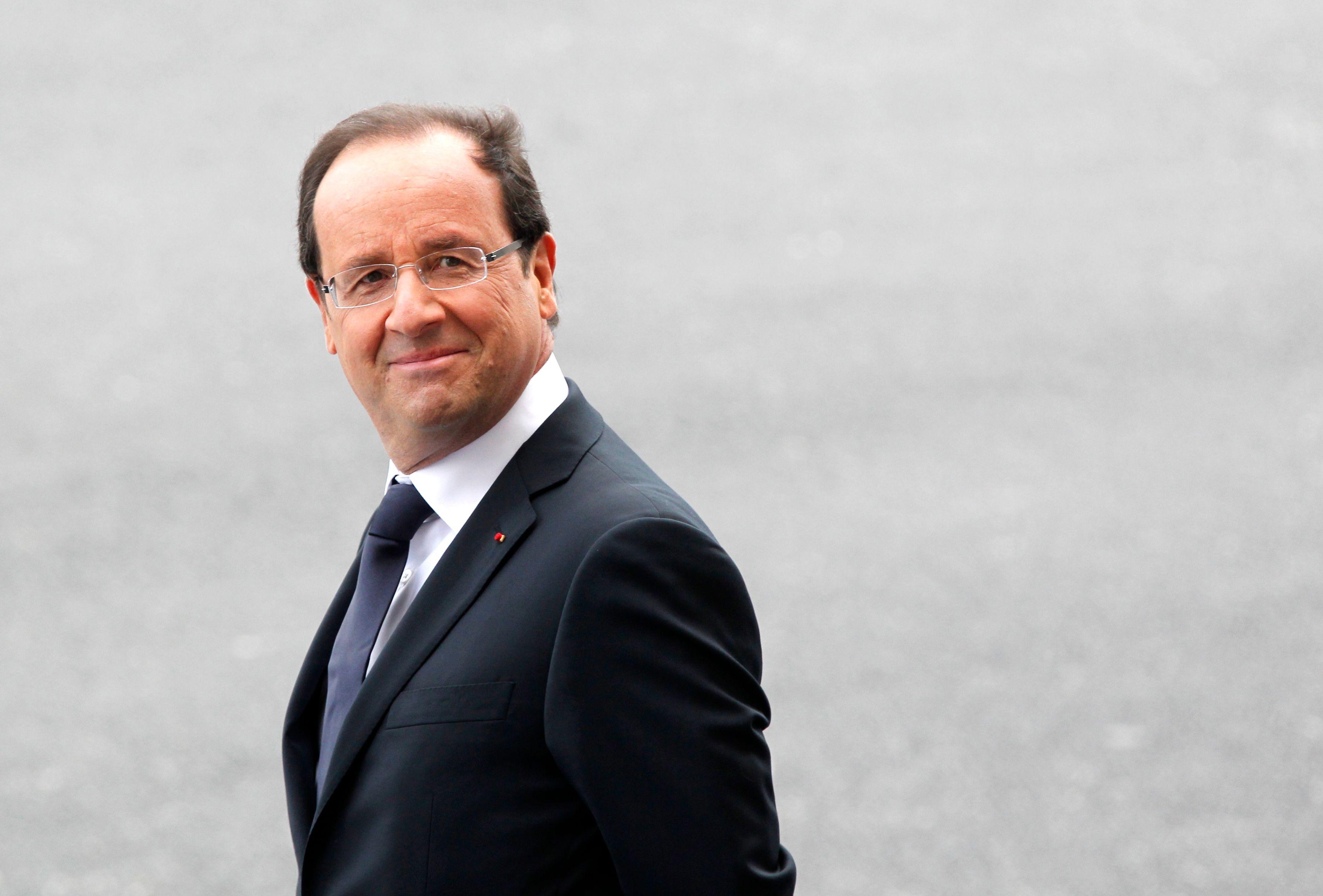 La cote de popularité de François Hollande reste stable