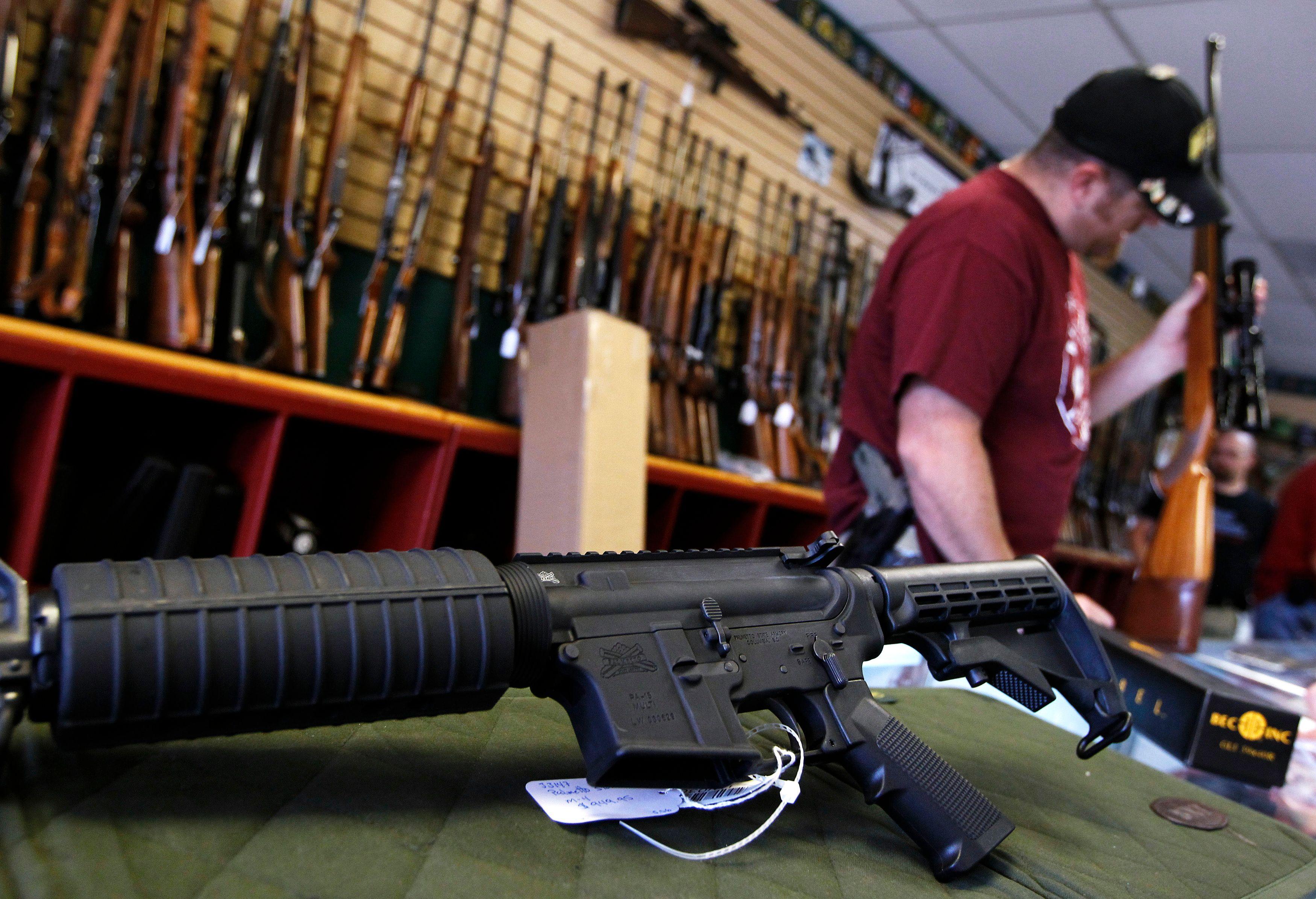 Les armes étaient dissimulées dans l'habitacle de la voiture, ainsi que le pare-choc