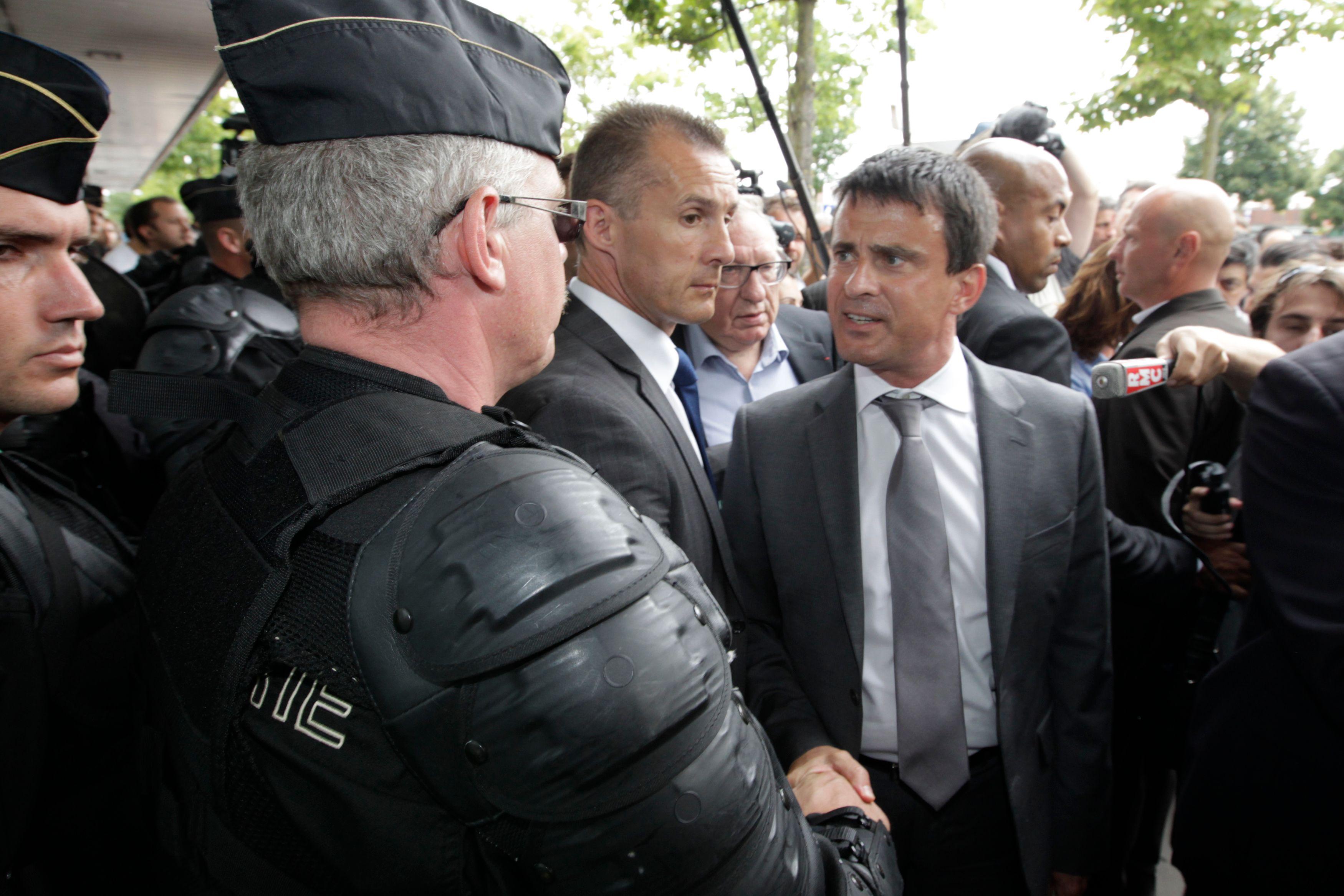 La semaine dernière, Manuel Valls a indiqué que 500 postes de policiers et gendarmes seront créés en 2013. Un effet d'annonce ?