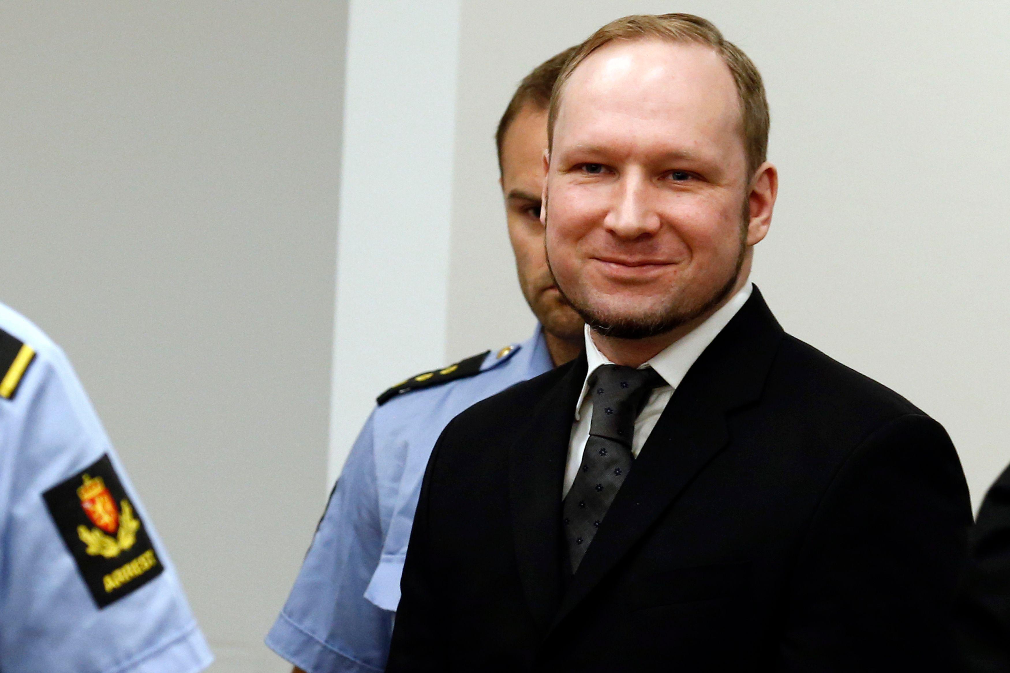 Le criminel norvégien recevrait quelques 800 lettres d'amour par mois.