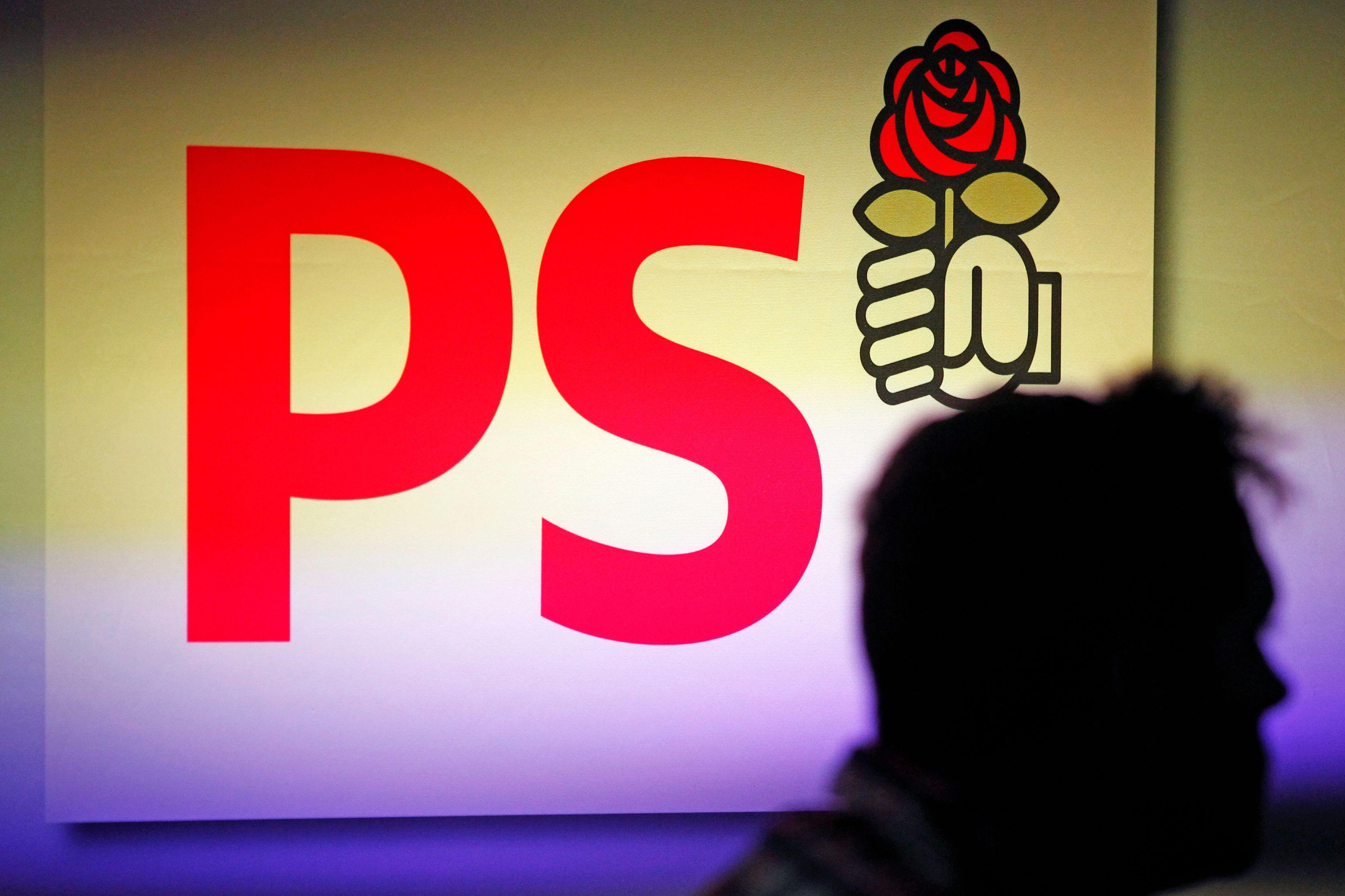 Depuis longtemps le PS est devenu le parti qui entend fonder son avenir sur les minorités malheureuses et mal-aimées.