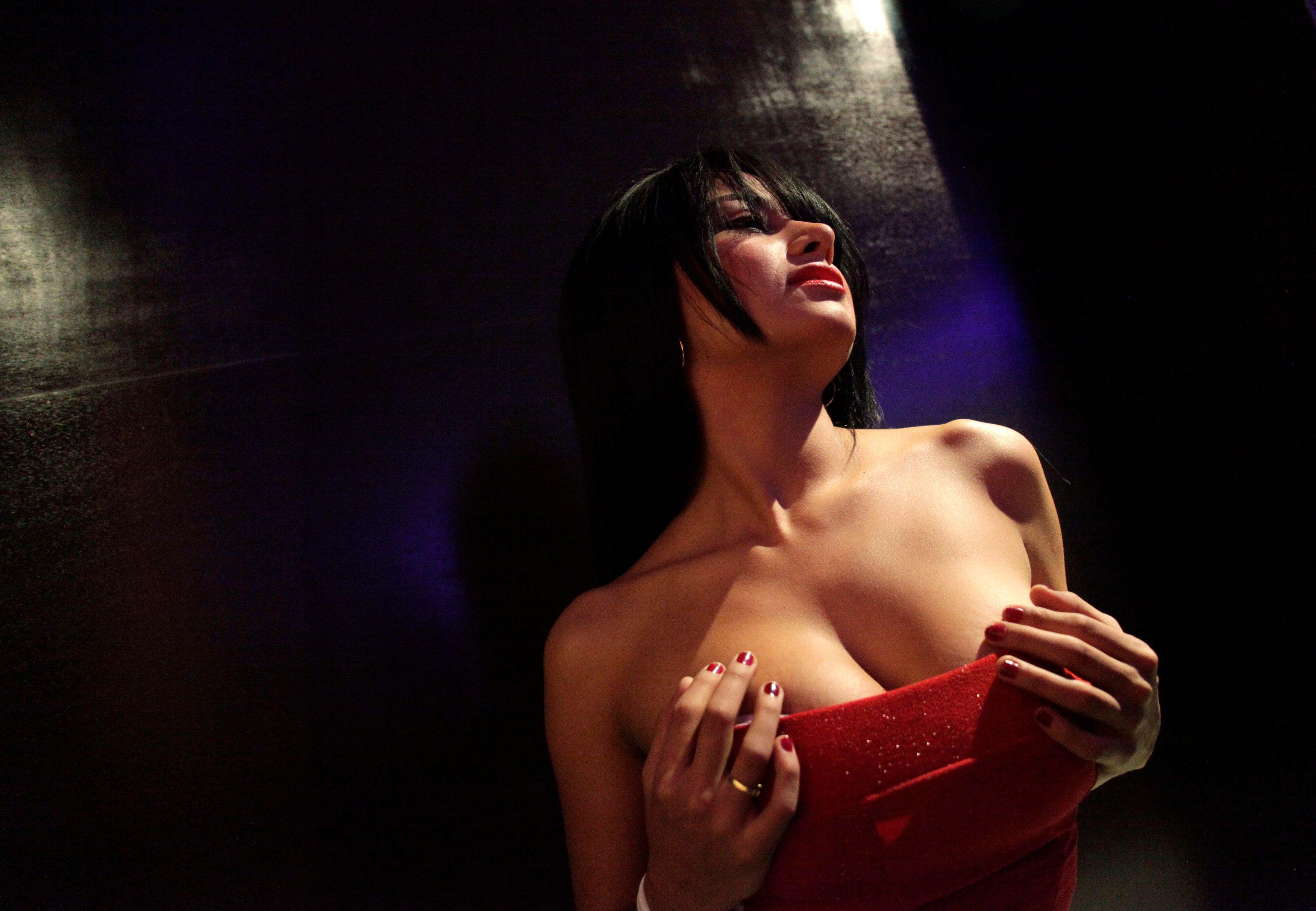 Menu des prestations sexuelles, etc. : le fonctionnement d'un bordel suisse vu de l'intérieur