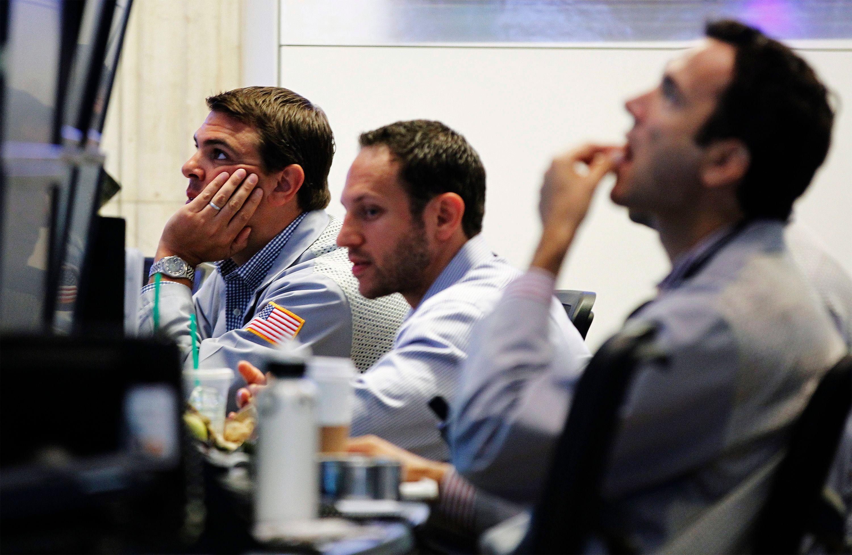 Les investisseurs ont plutôt tendance à tenir des discours optimistes car ils ont des actions à vendre à leurs clients.