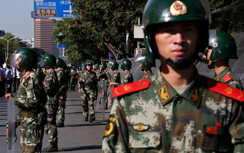 Chine : les soldats devenus trop gros et trop grands pour leurs tanks