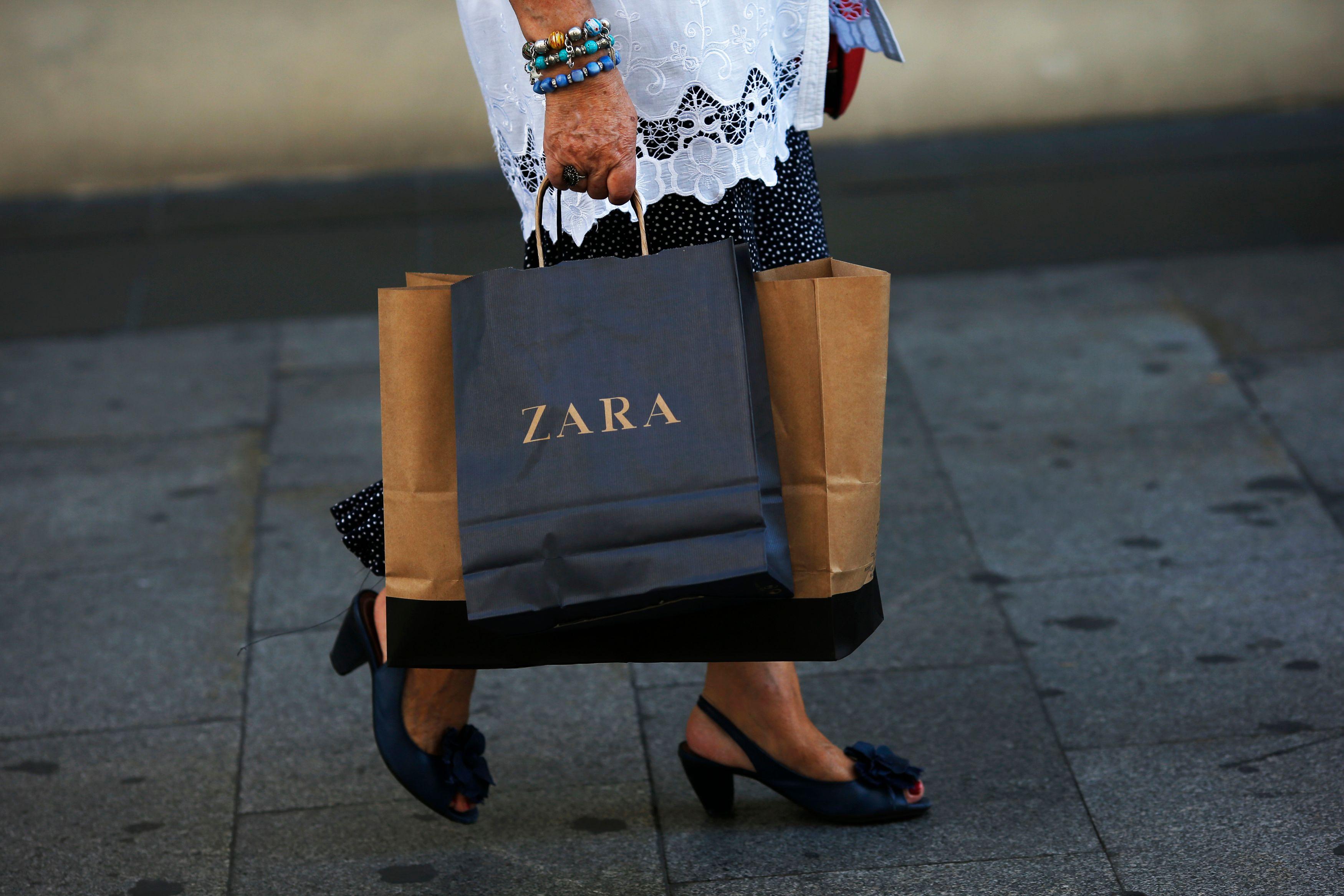 240 euros, les hommes plus dépensiers que les femmes pour les soldes d'hiver