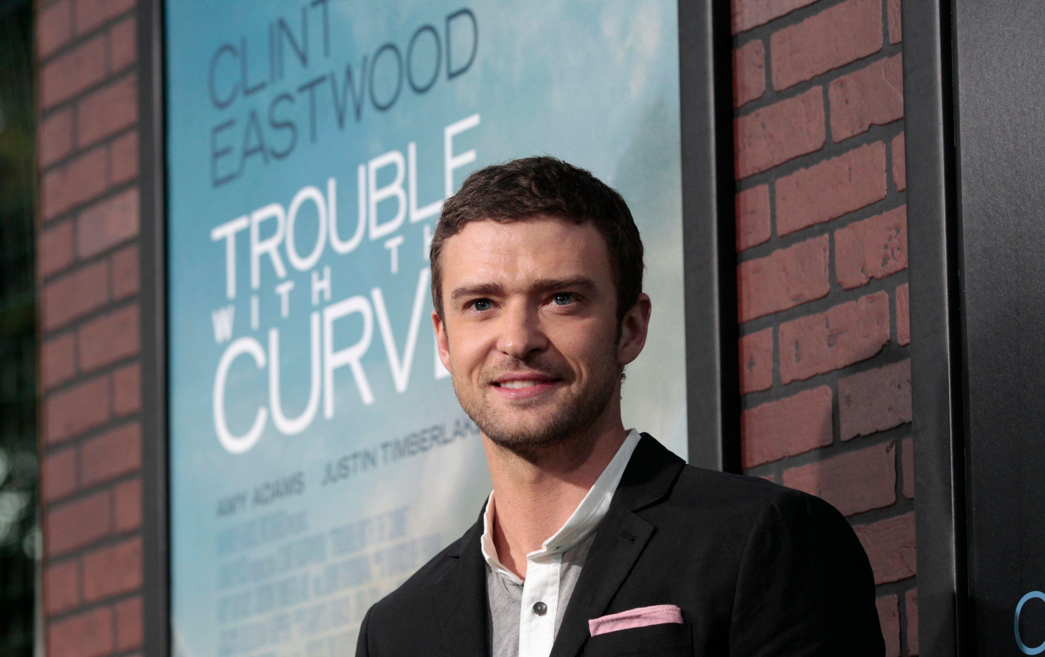 Justin Timberlake vient de sortir un nouveau single téléchargé plus de 400 000 fois dès la première semaine de sa sortie.