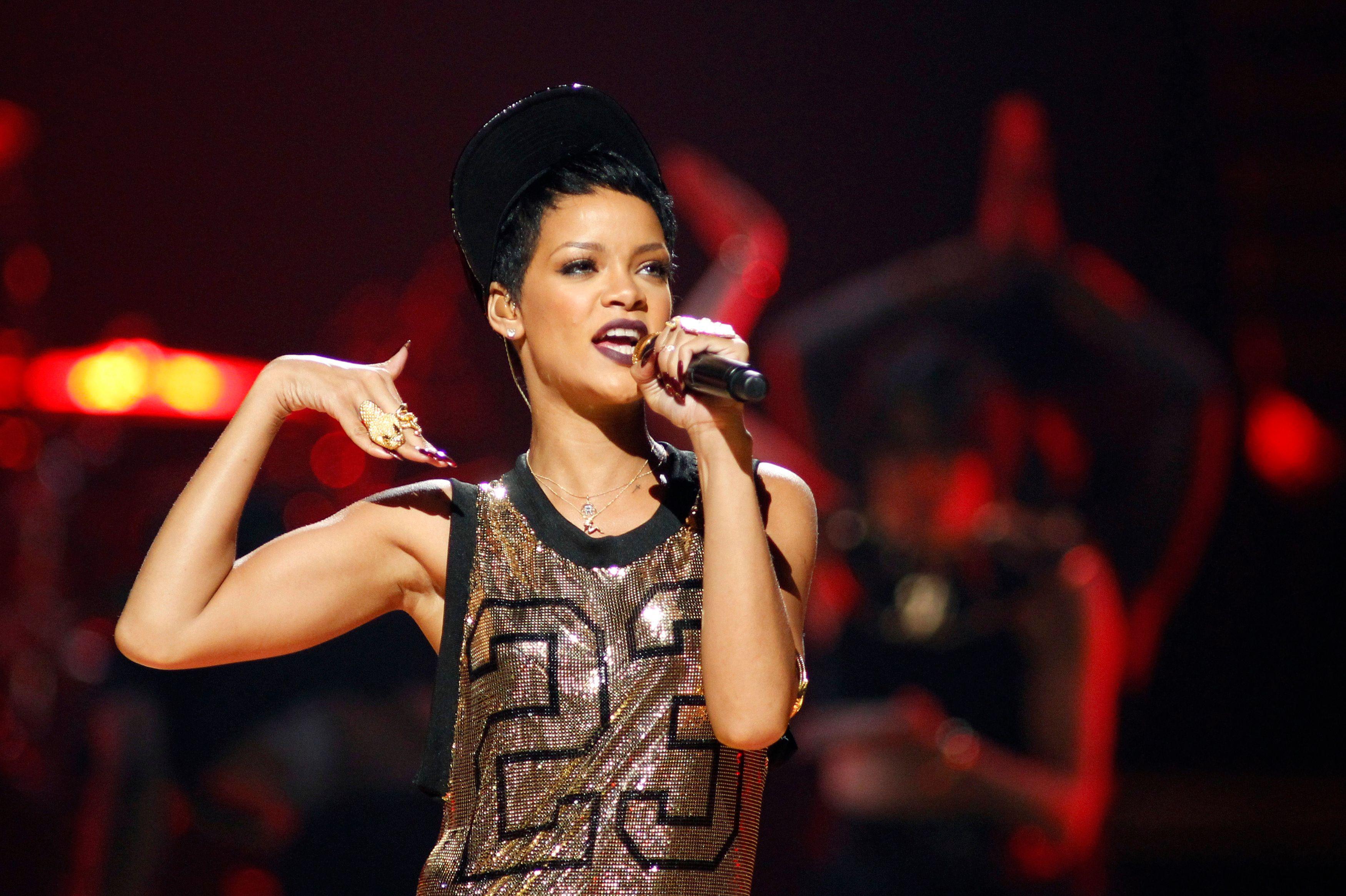 Rihanna : en culotte sur Instagram pour son anniversaire