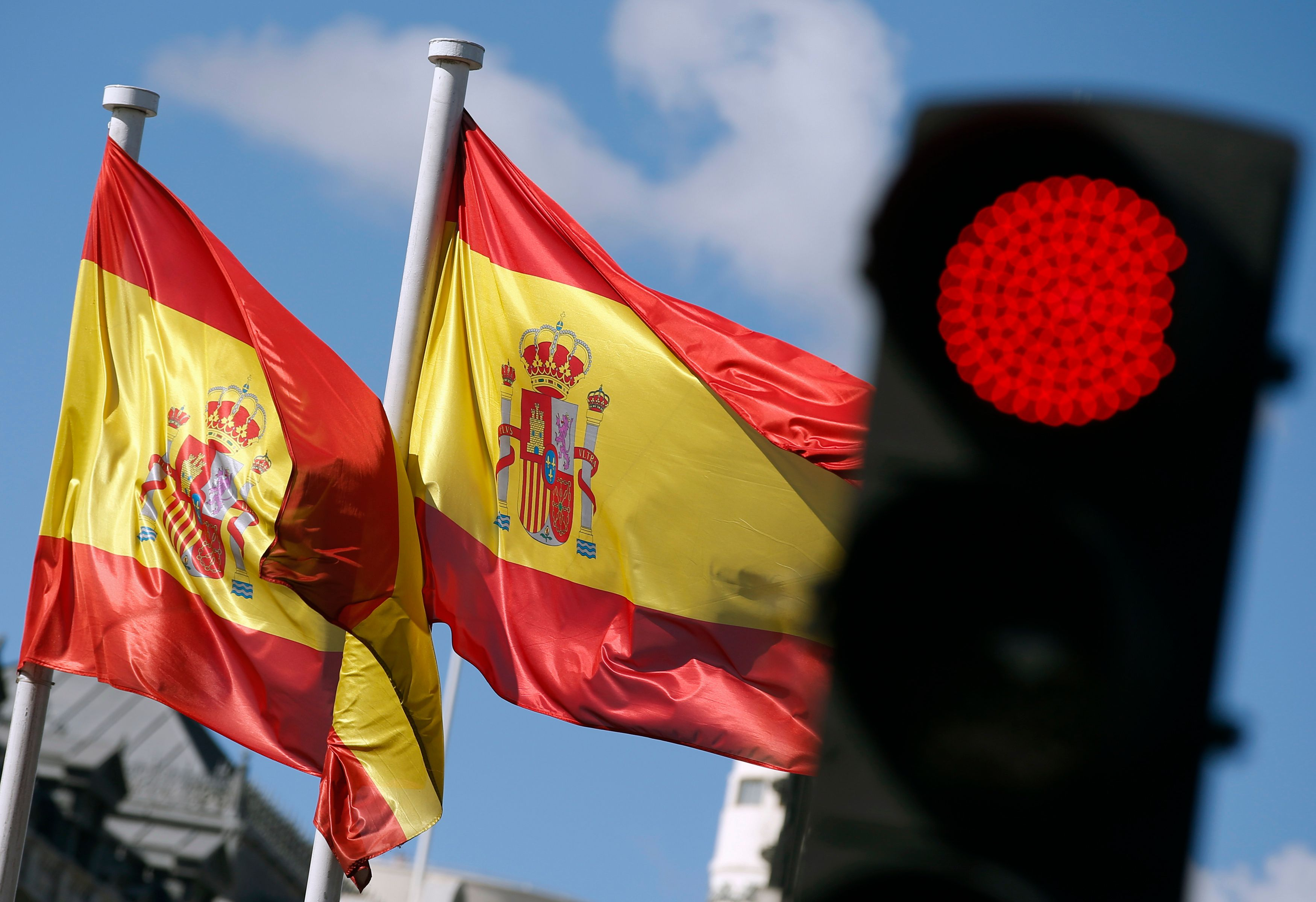 L'Espagne doit faire face aux ambitions séparatistes de la Catalogne en plus de la crise.