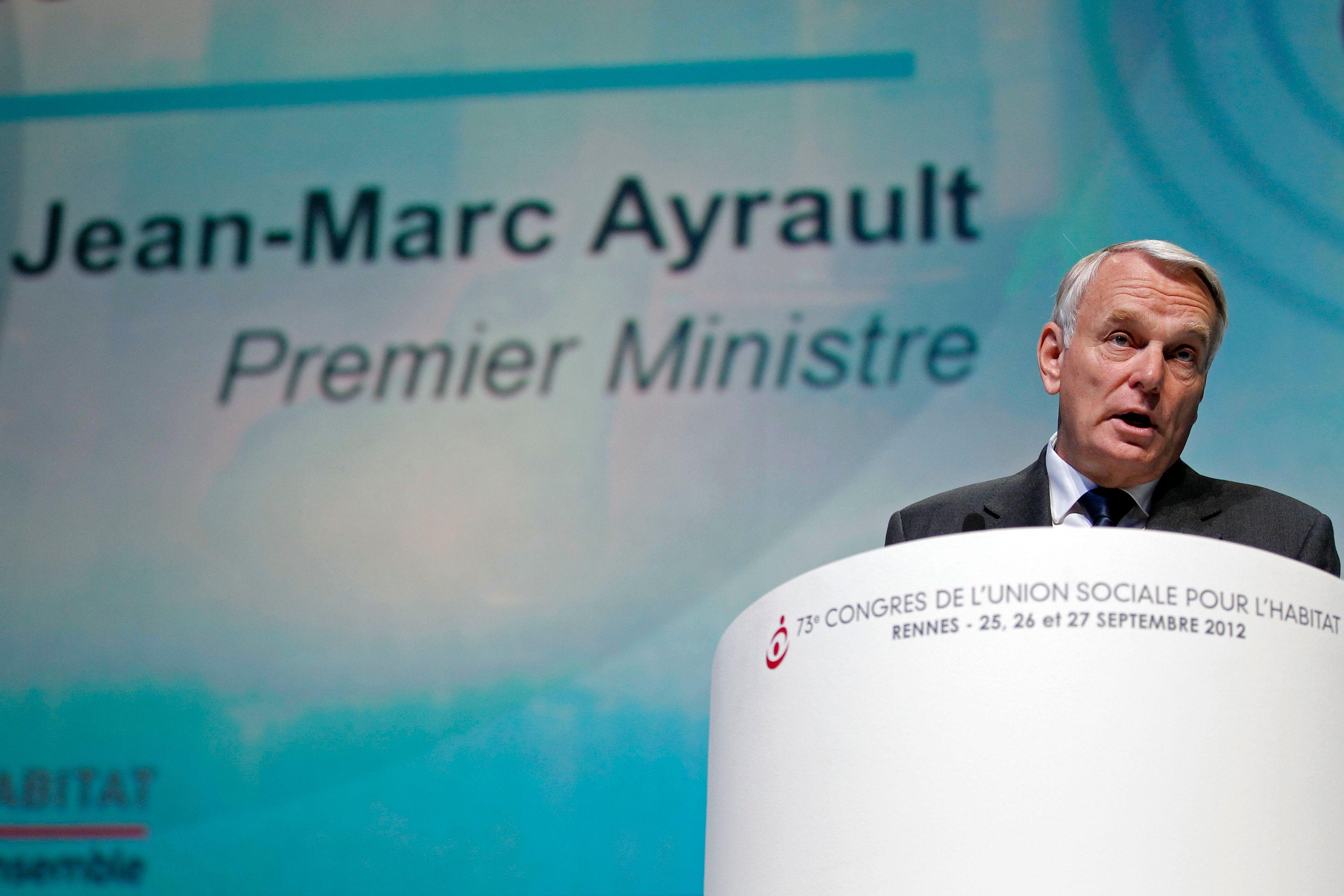 Jean-Marc Ayrault annonce qu'il ouvrira un débat national autour de la fiscalité