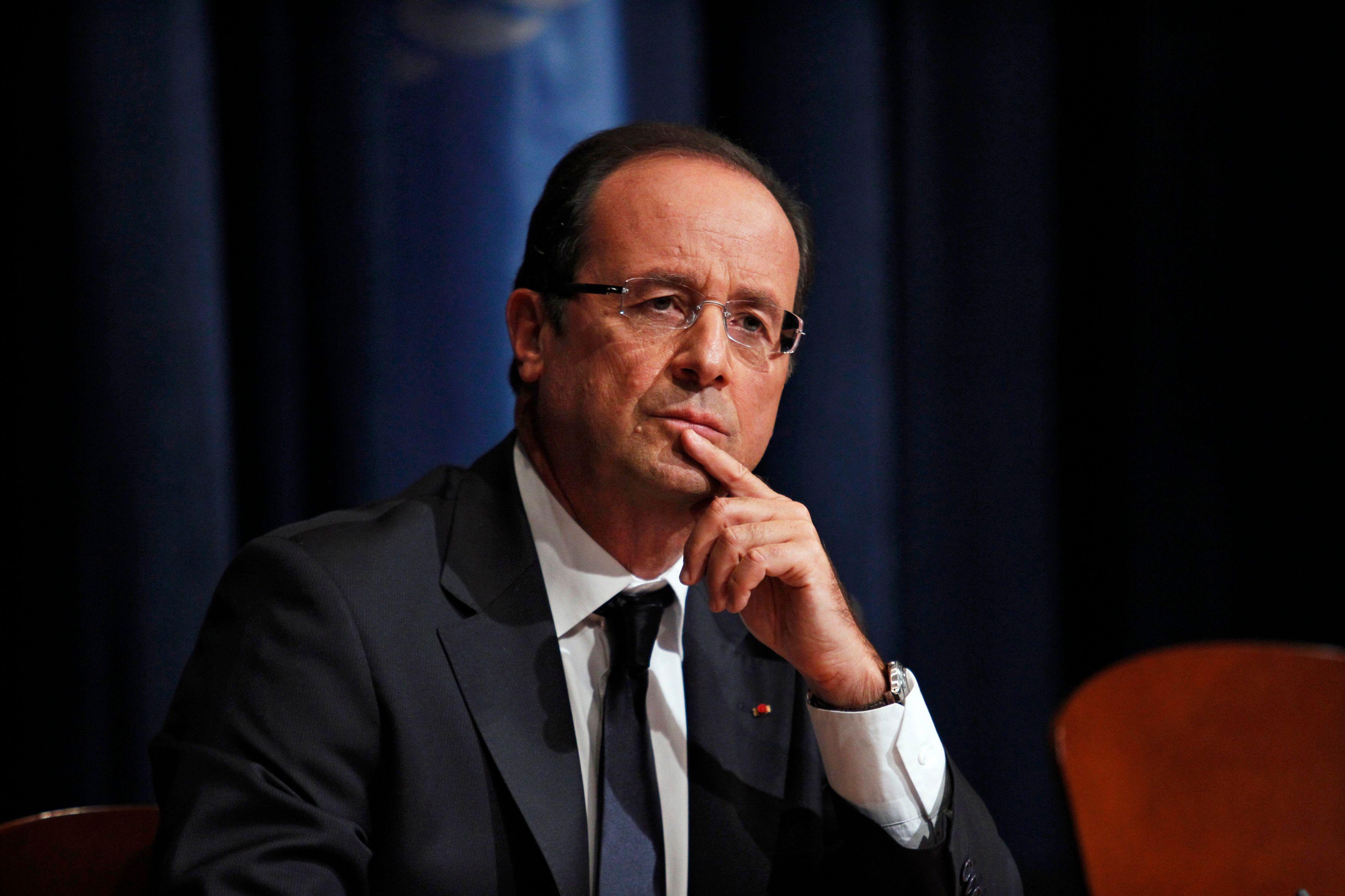 François Hollande souhaite supprimer l'entrée automatique des ex-présidents au Conseil constitutionnel.