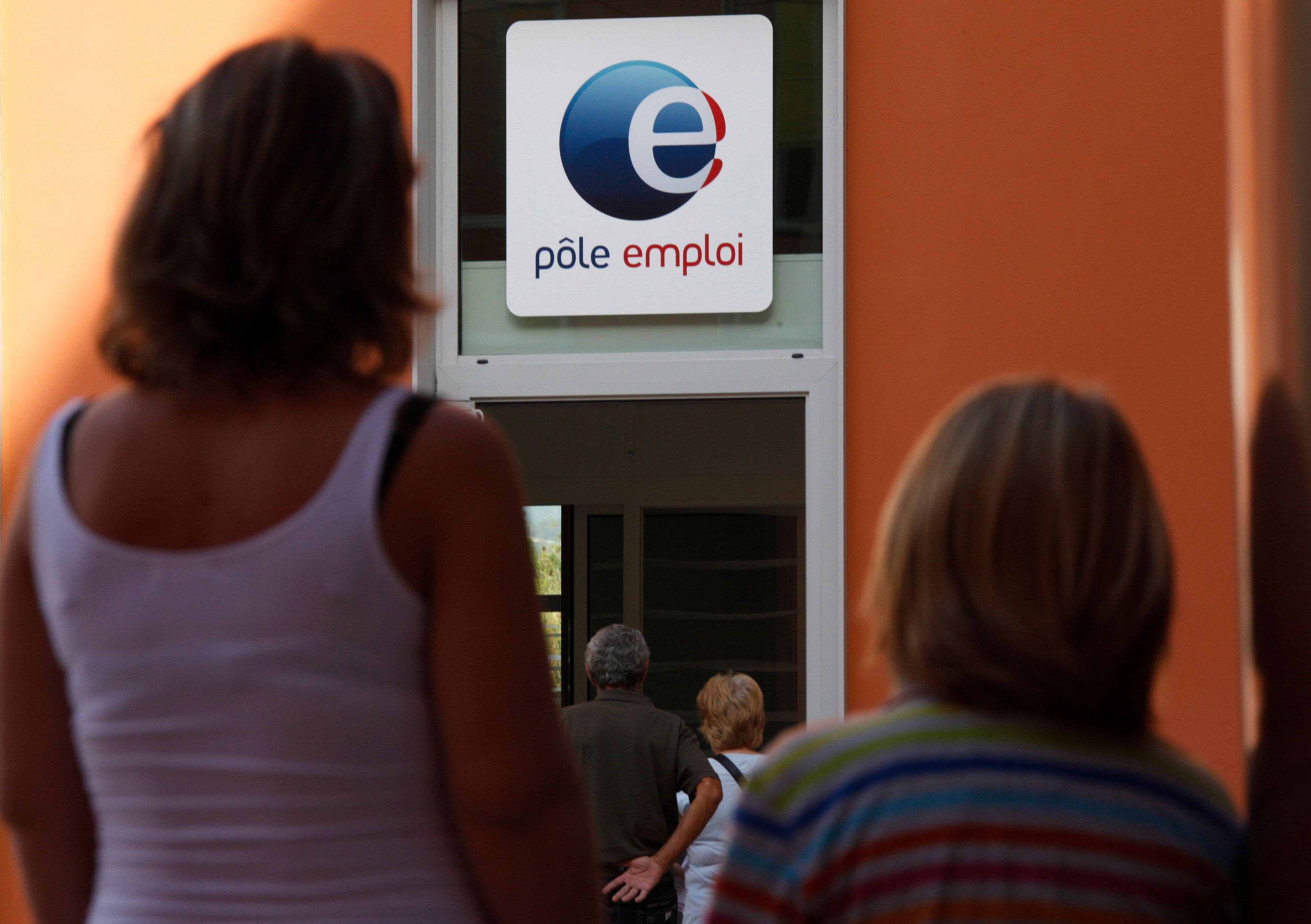 Chômage : 31 500 demandeurs d'emploi en plus en février (+0,9%)