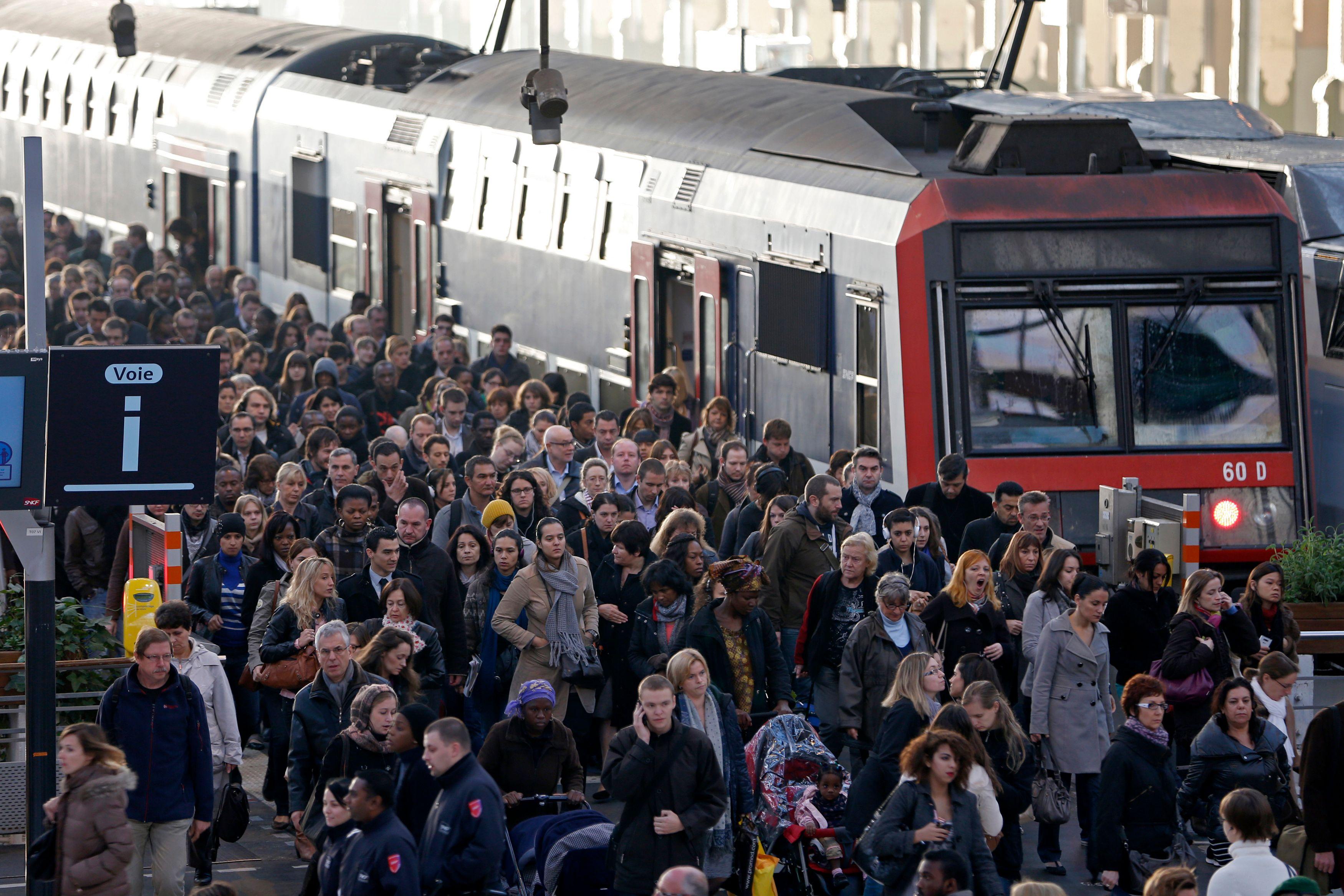 Plus tôt dans la journée, la SNCF a également réfuté ces informations.