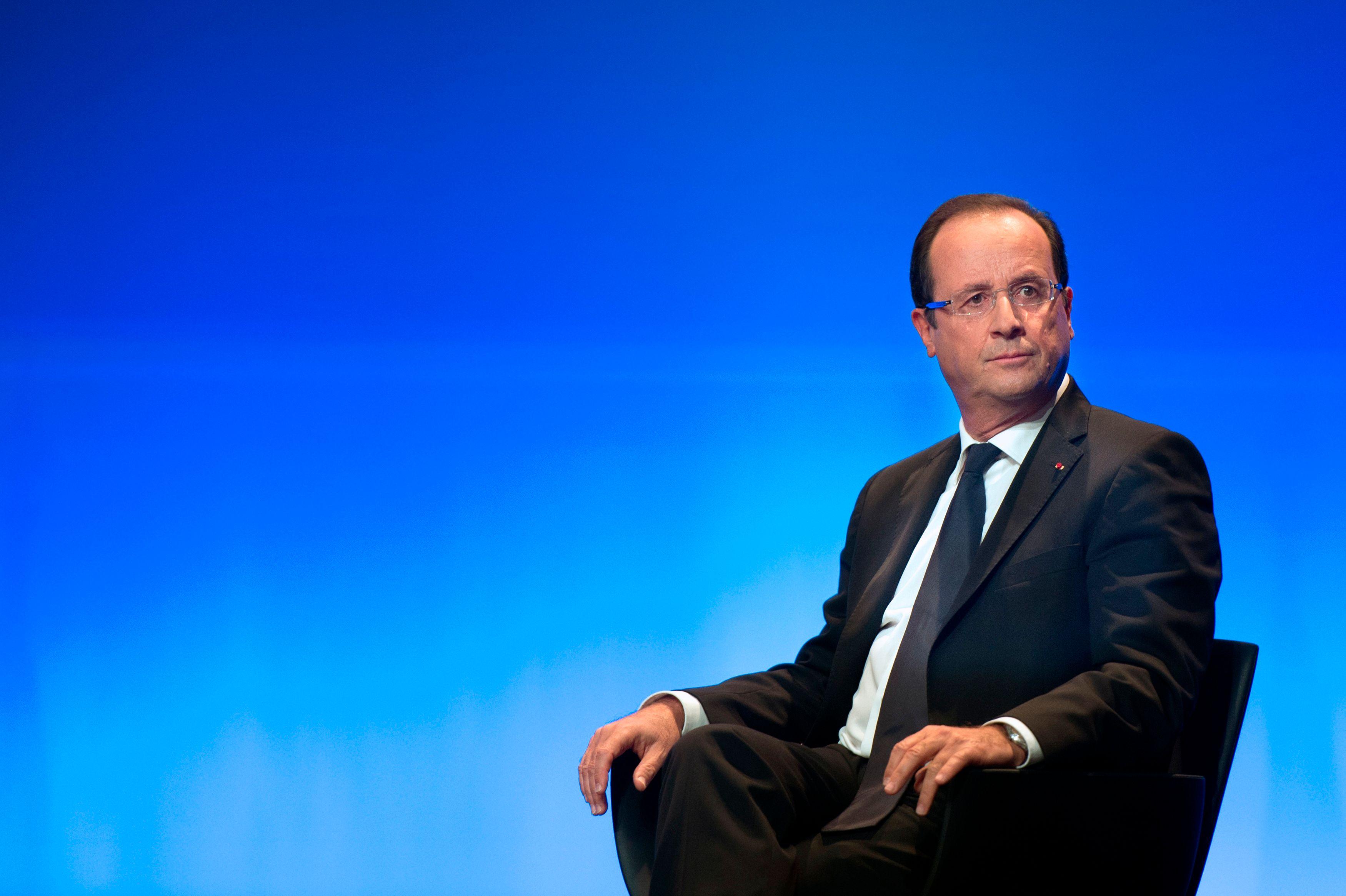 Les échecs de François Hollande nourrissent la grogne de l'opinion publique