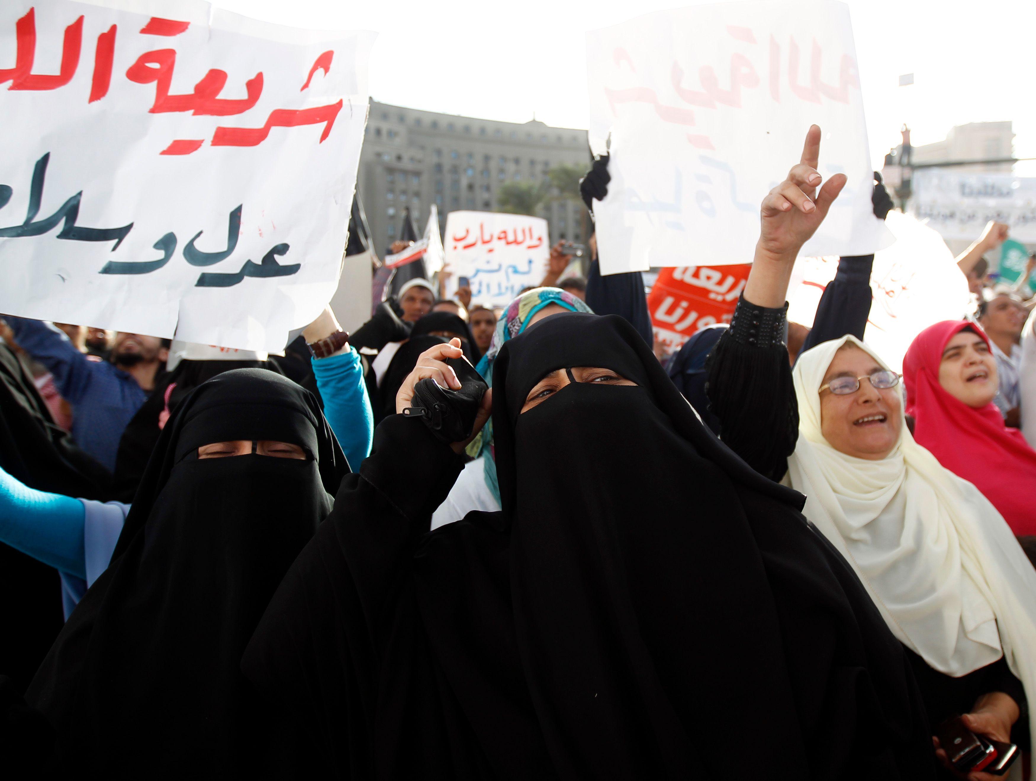 La charia est devenue un véritable slogan populaire en Egypte et ailleurs depuis les printemps arabes.