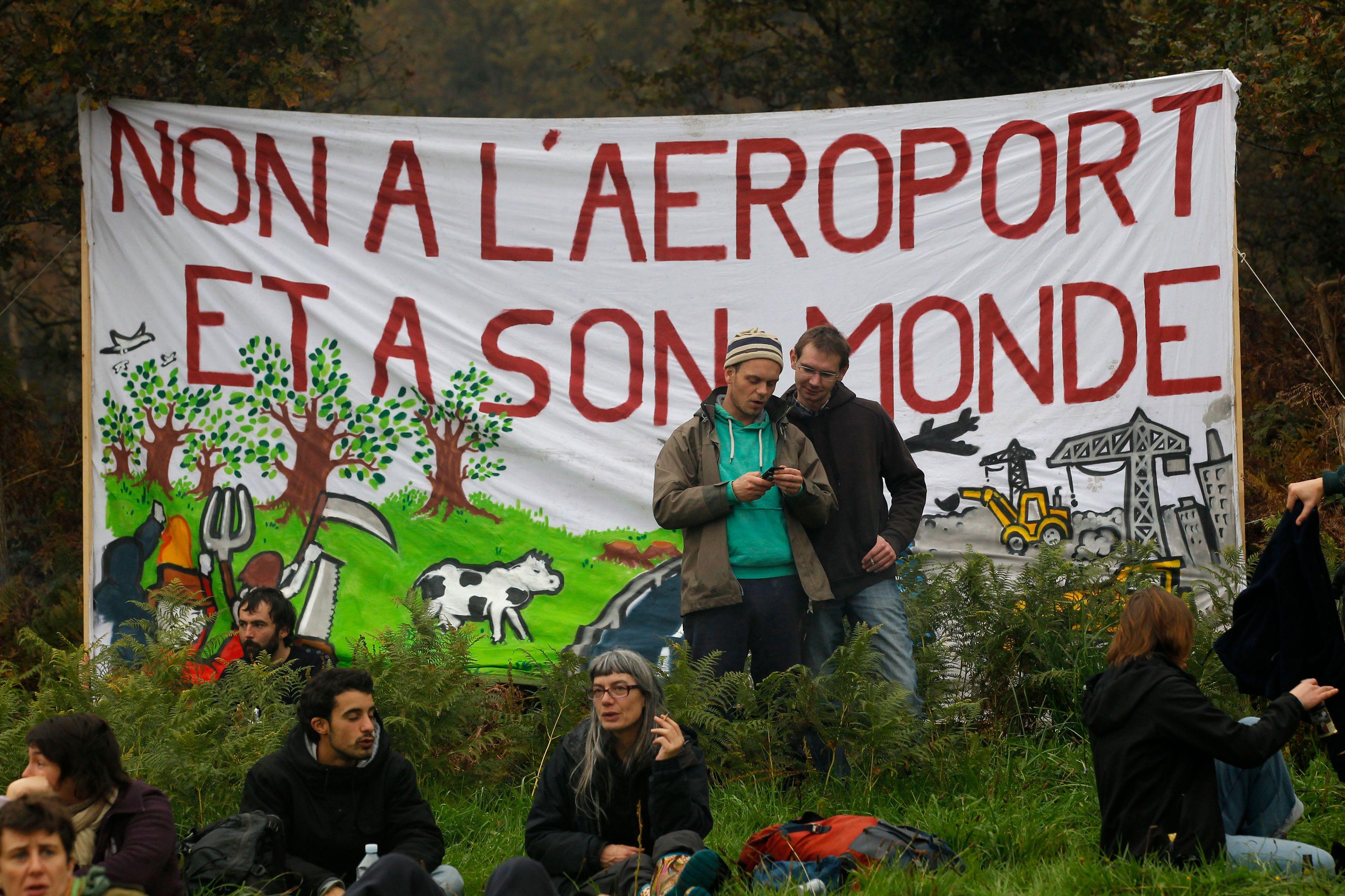 Notre-Dame-des-Landes : entre 10.000 (préfecture) et 60.000 (organisateurs) manifestants contre le projet d'aéroport
