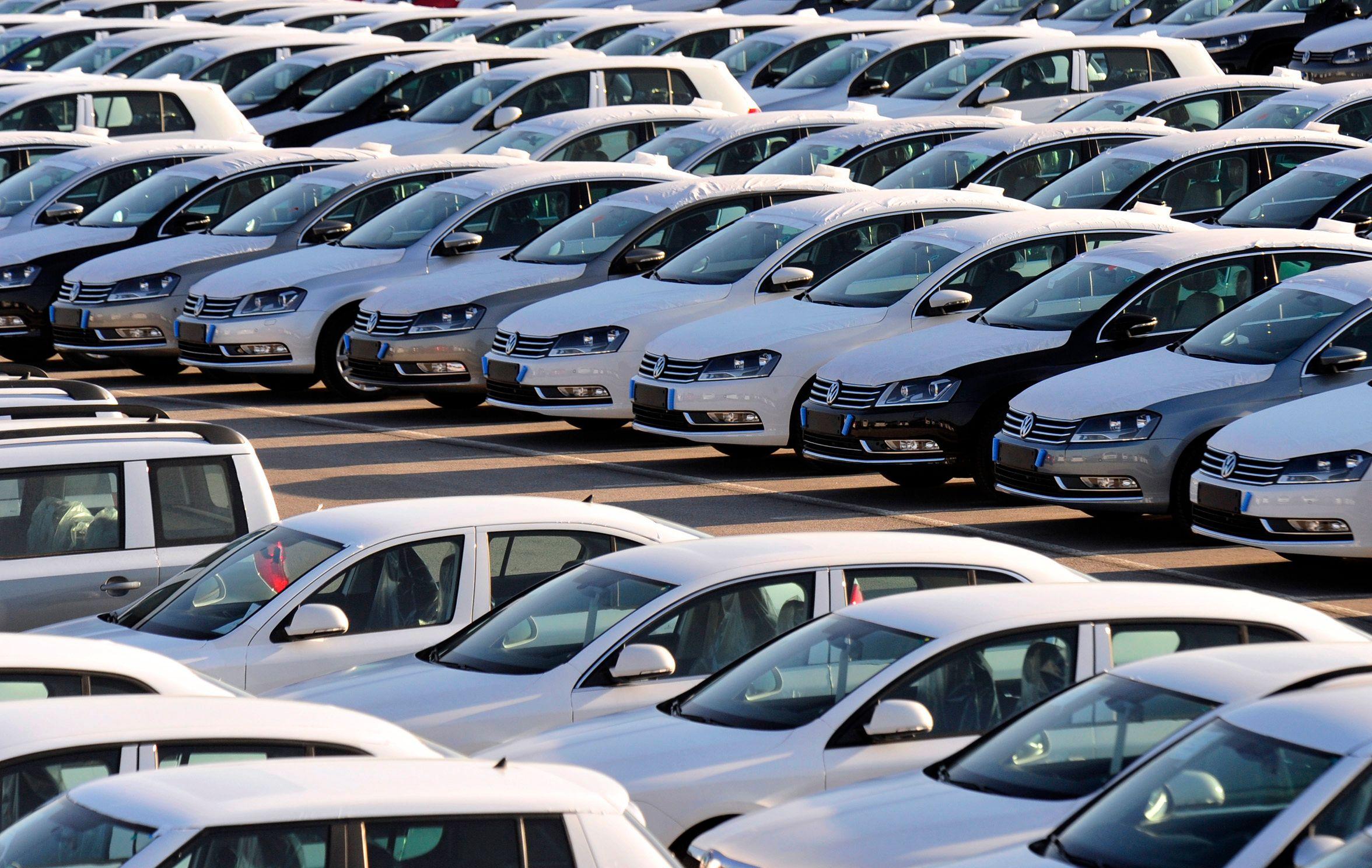 Avec une petite croissance de 0.3% pour l'année 2014, les ventes de véhicules neufs n'ont pas connu le rebond espéré.