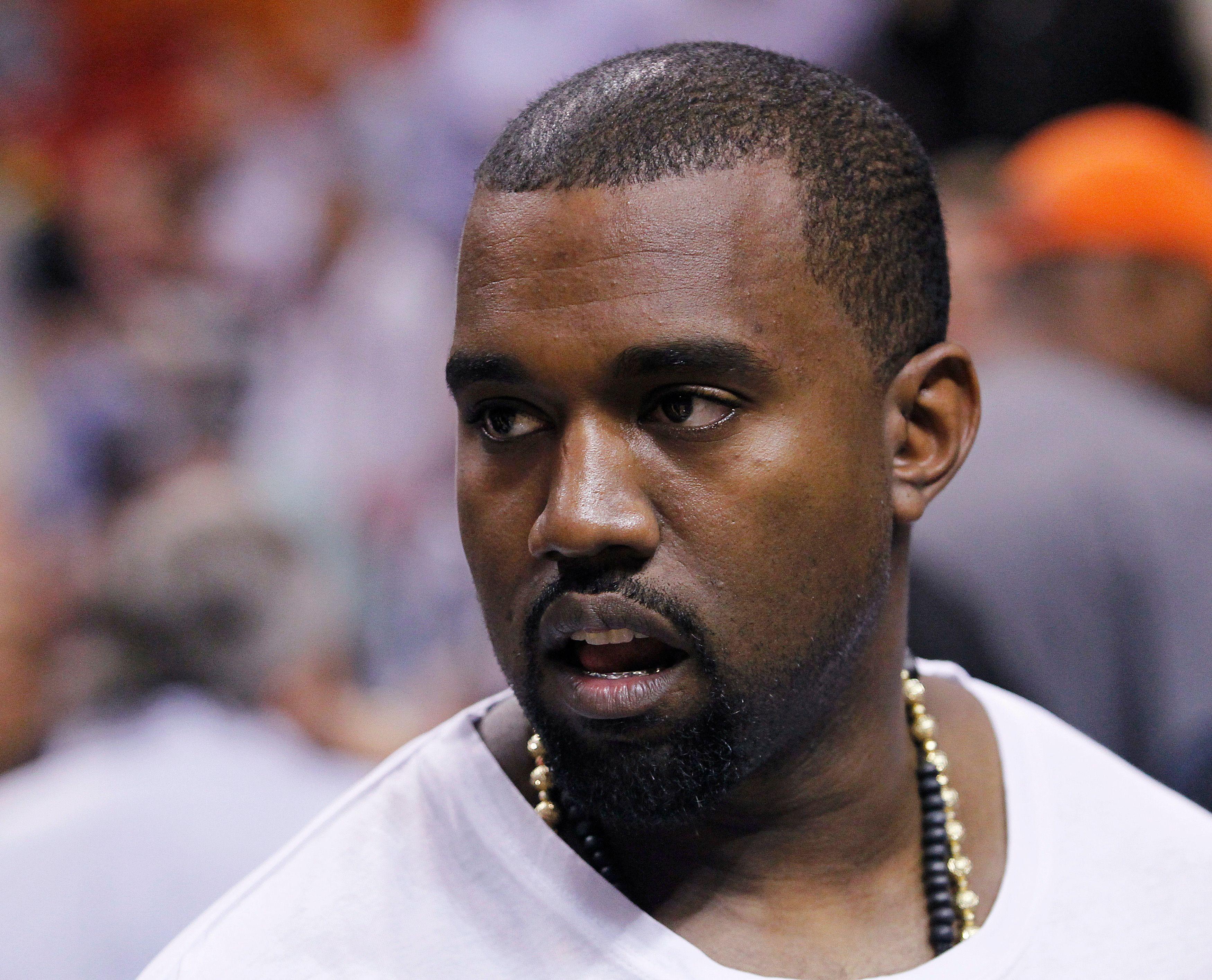 Kanye West : accusé d'avoir frappé un homme qui avait insulté Kim Kardashian