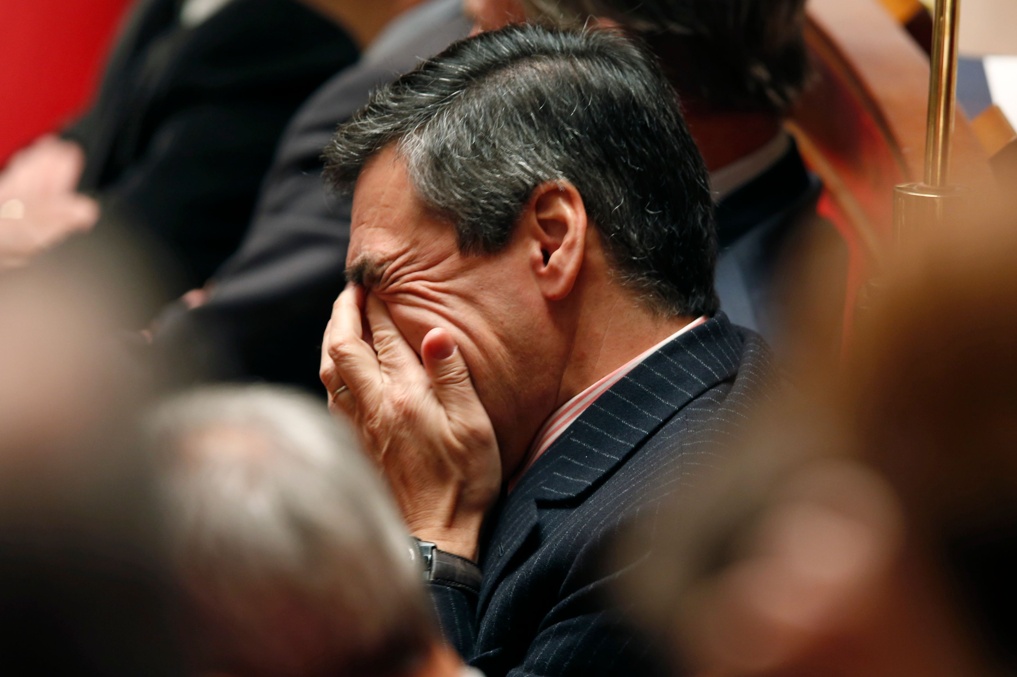 Fillon, retrait ou non? 50/50 chez les sympathisants de droite et du centre; Alain Juppé plan B privilégié par 42% d'entre eux