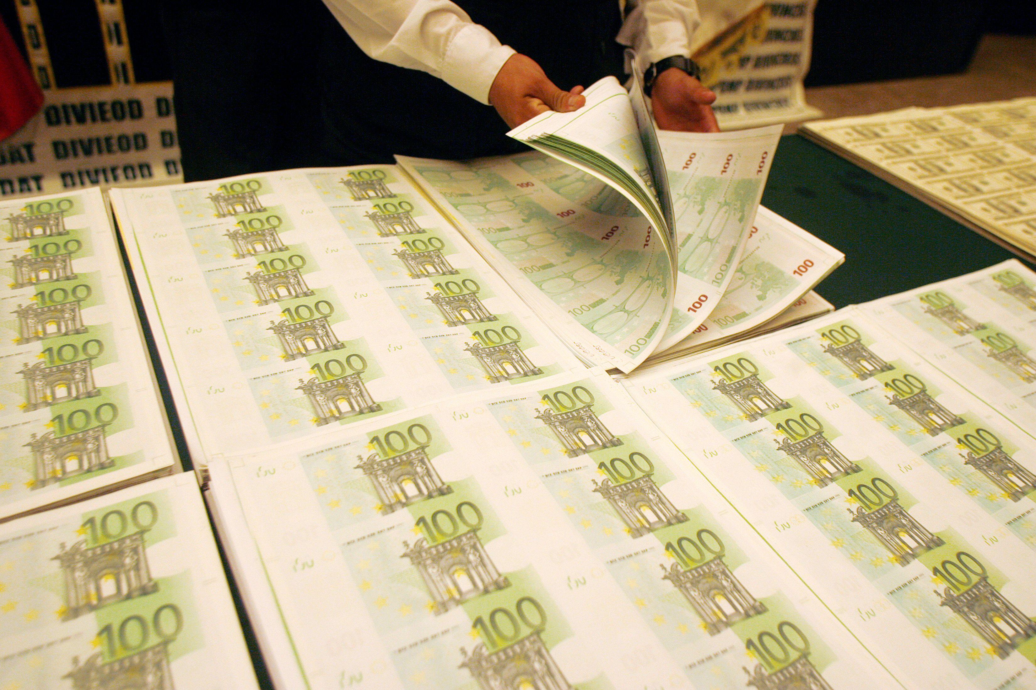 Croissance : Bercy maintient ses prévisions, l'OCDE abaisse les siennes
