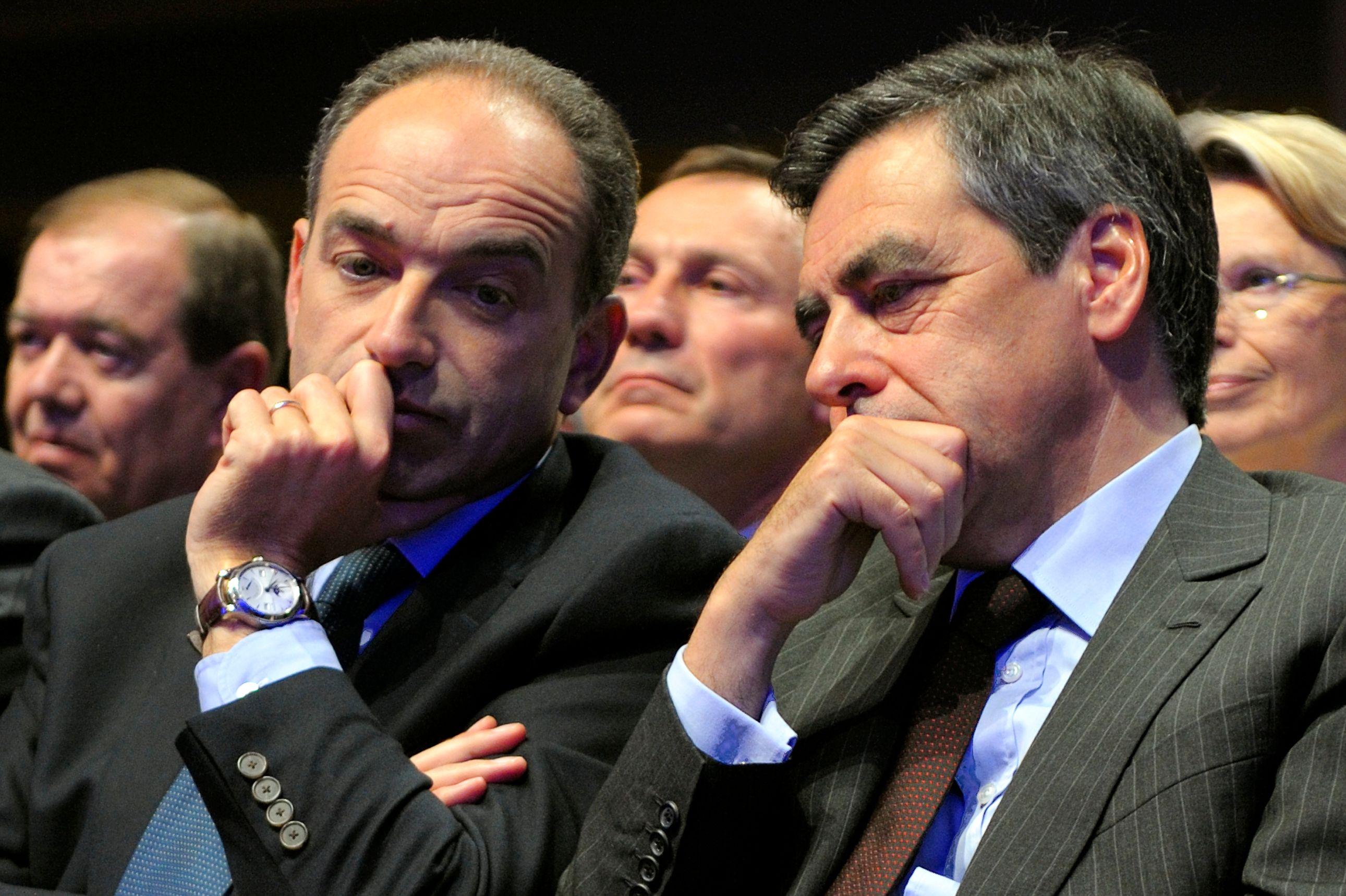 Copé et Fillon sont tombés d'accord pour demander aux militants UMP s'ils voulaient revoter en septembre pour la présidence du parti.