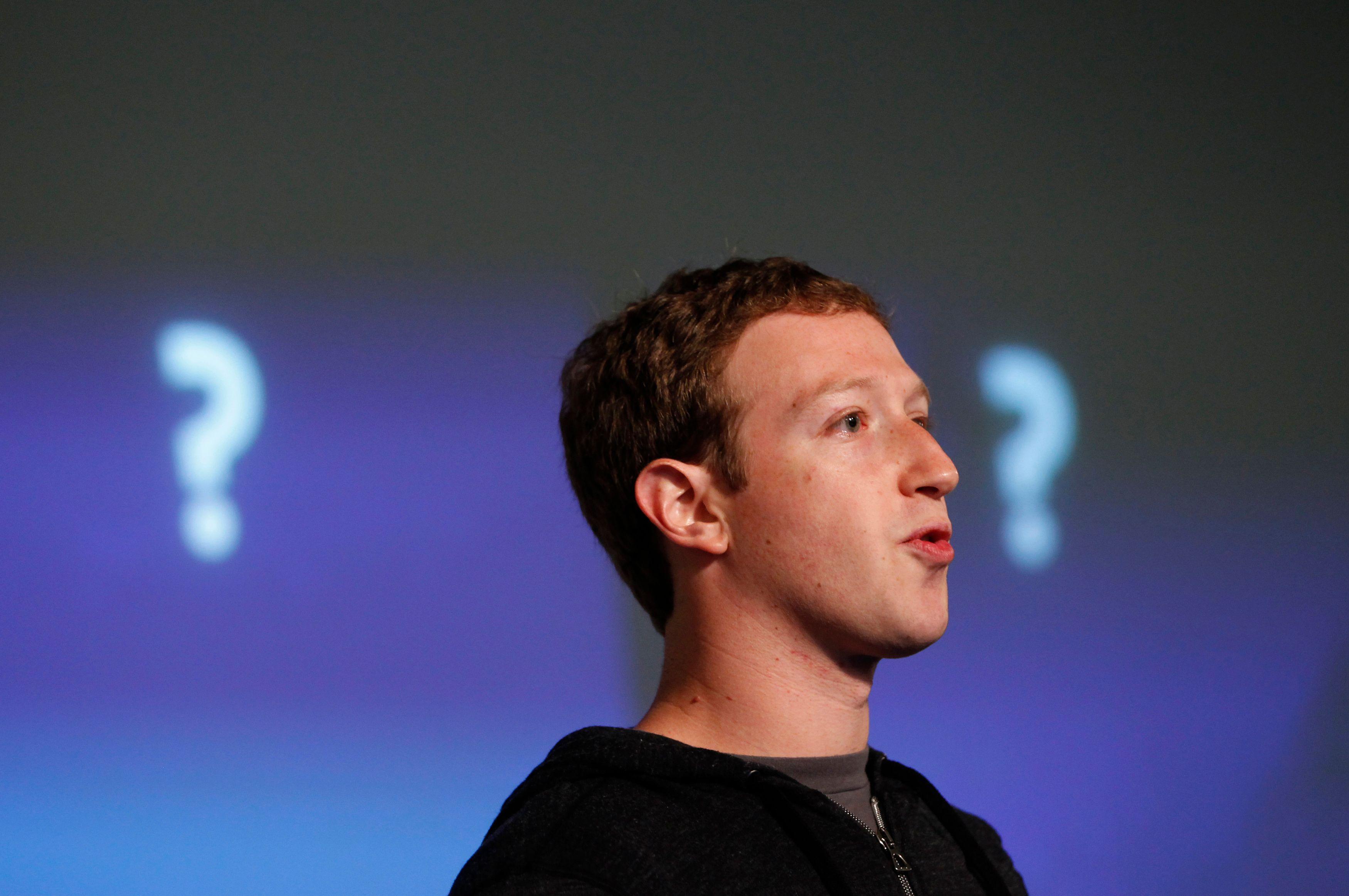 Facebook : comment le réseau social était vu par la presse à ses débuts