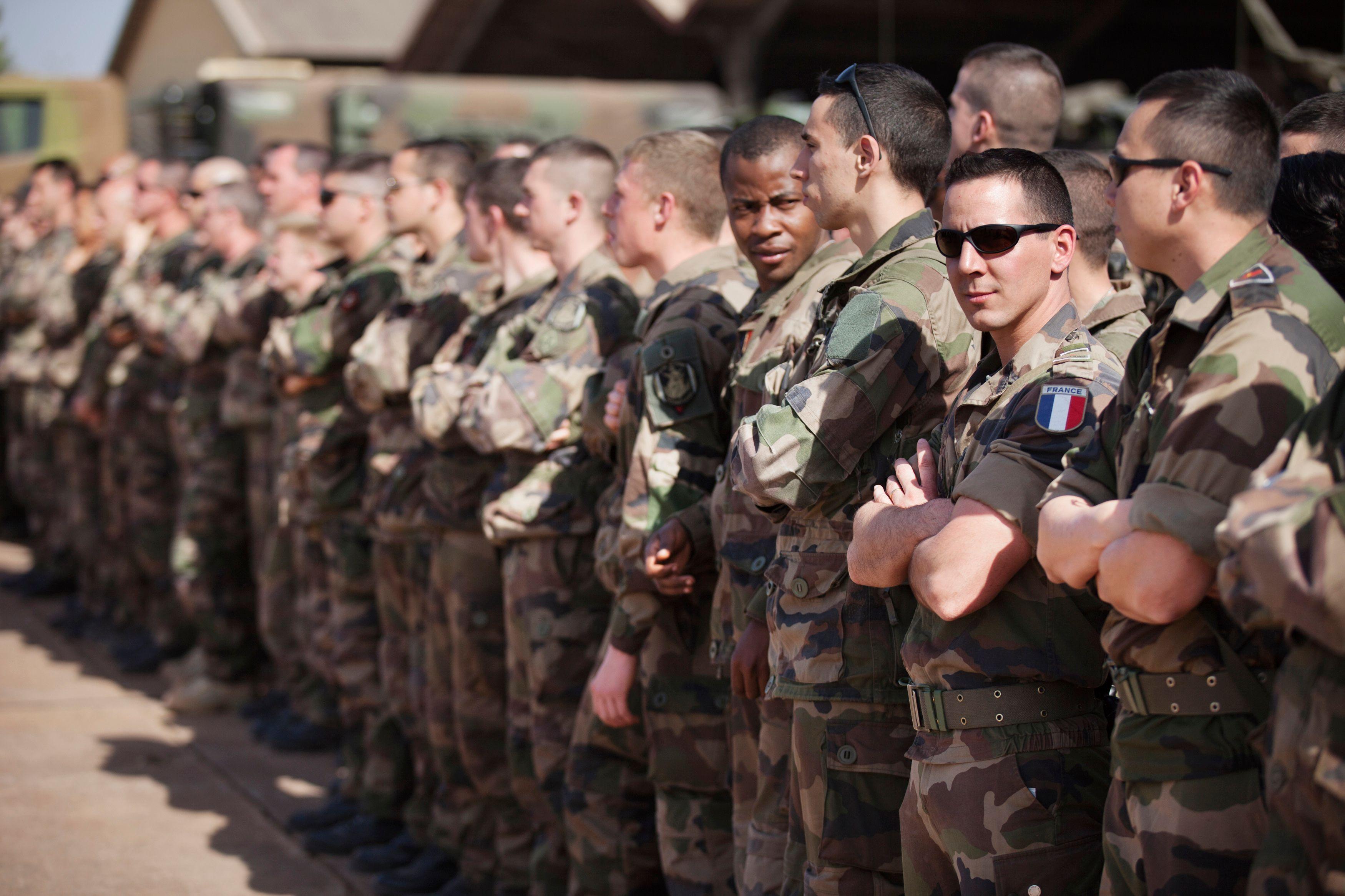 Laurent Fabius rencontre ce jeudi ses homologues européens pour les convaincre d'appuyer davantage les troupes françaises au Mali.