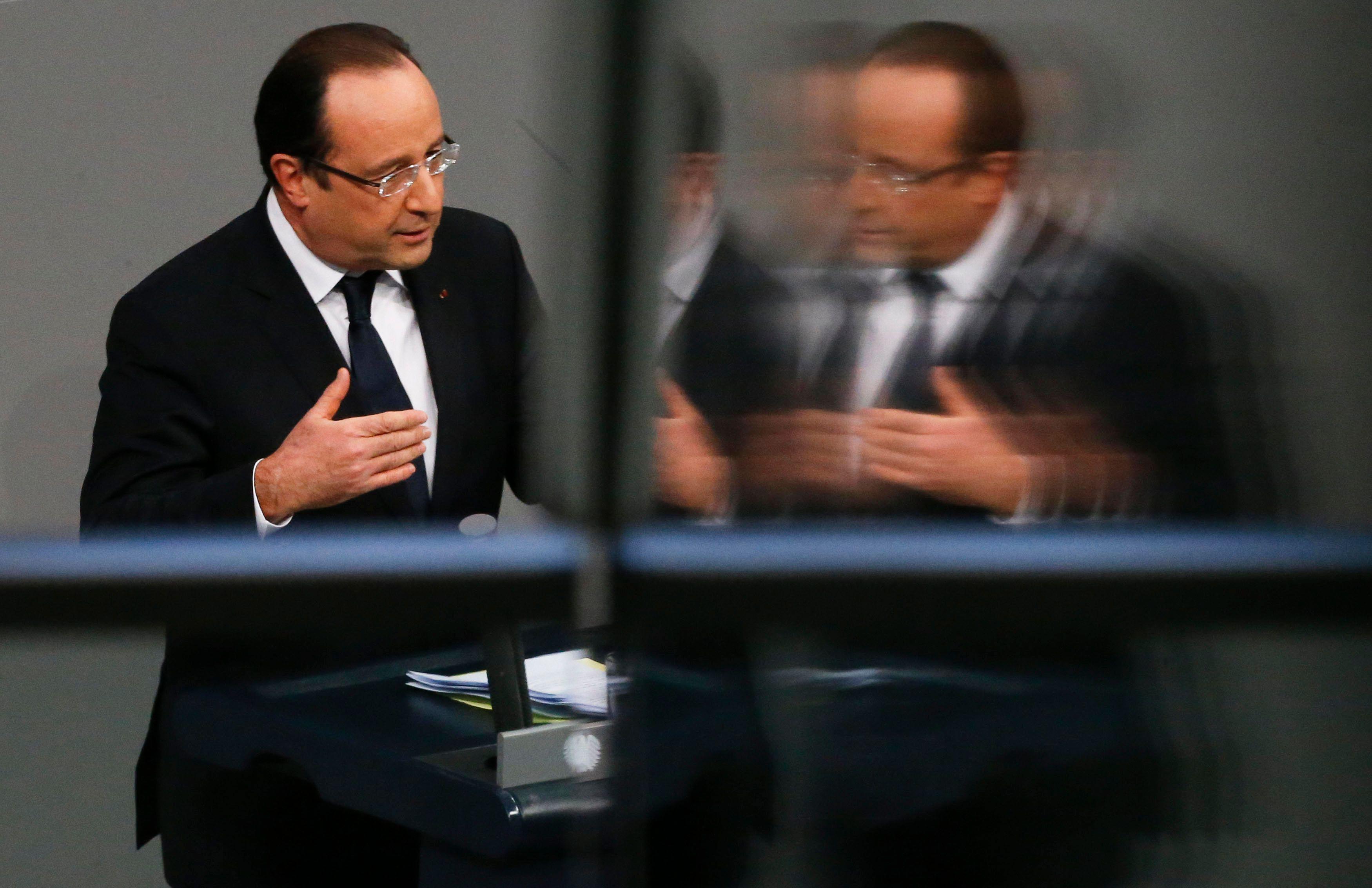 La France gouvernée par le socialiste François Hollande est souvent montrée comme l'homme malade de l'Europe.
