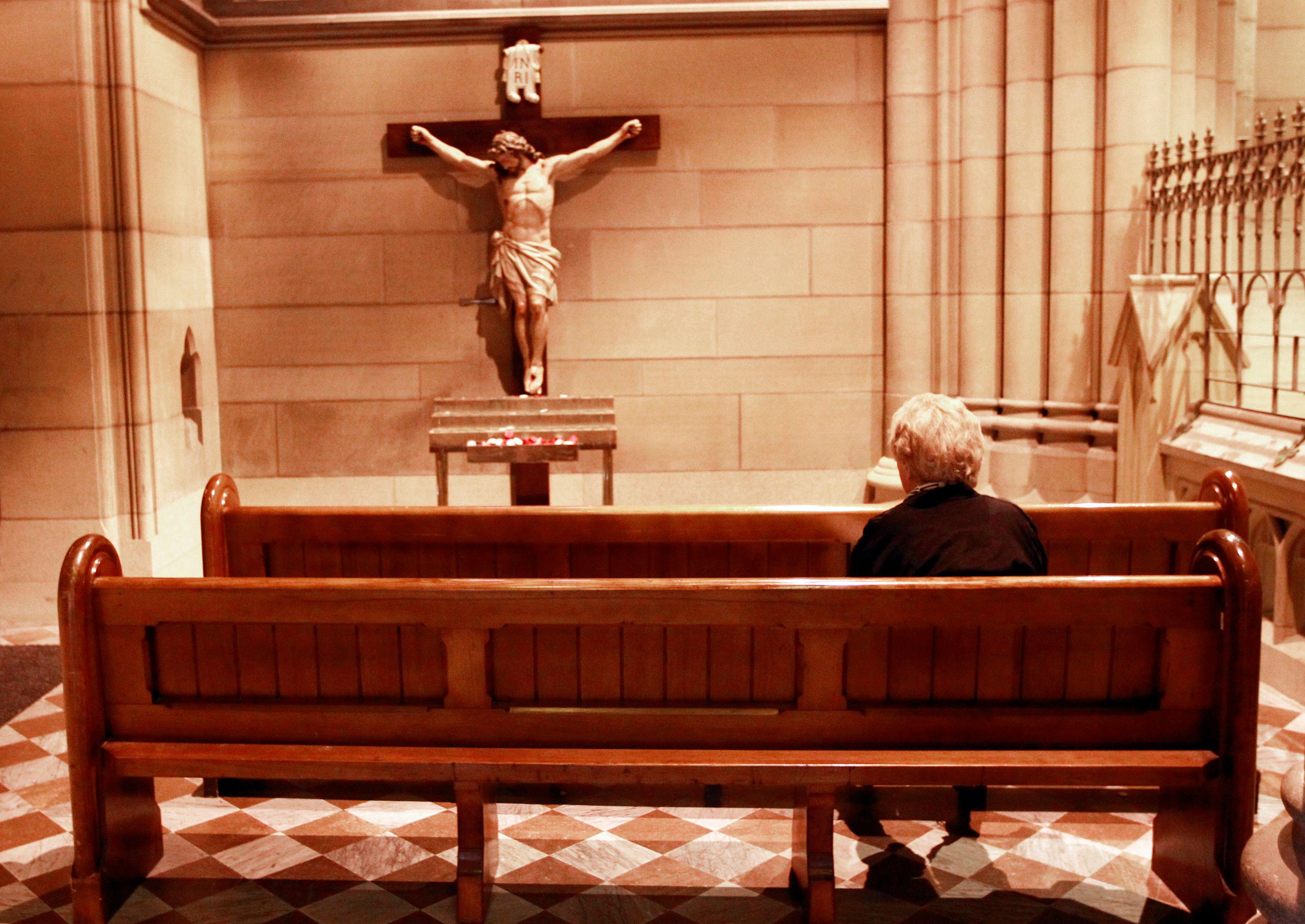 Macron face à l'Eglise ou l'aveu de l'impuissance de la République laïque à assurer sa propre survie