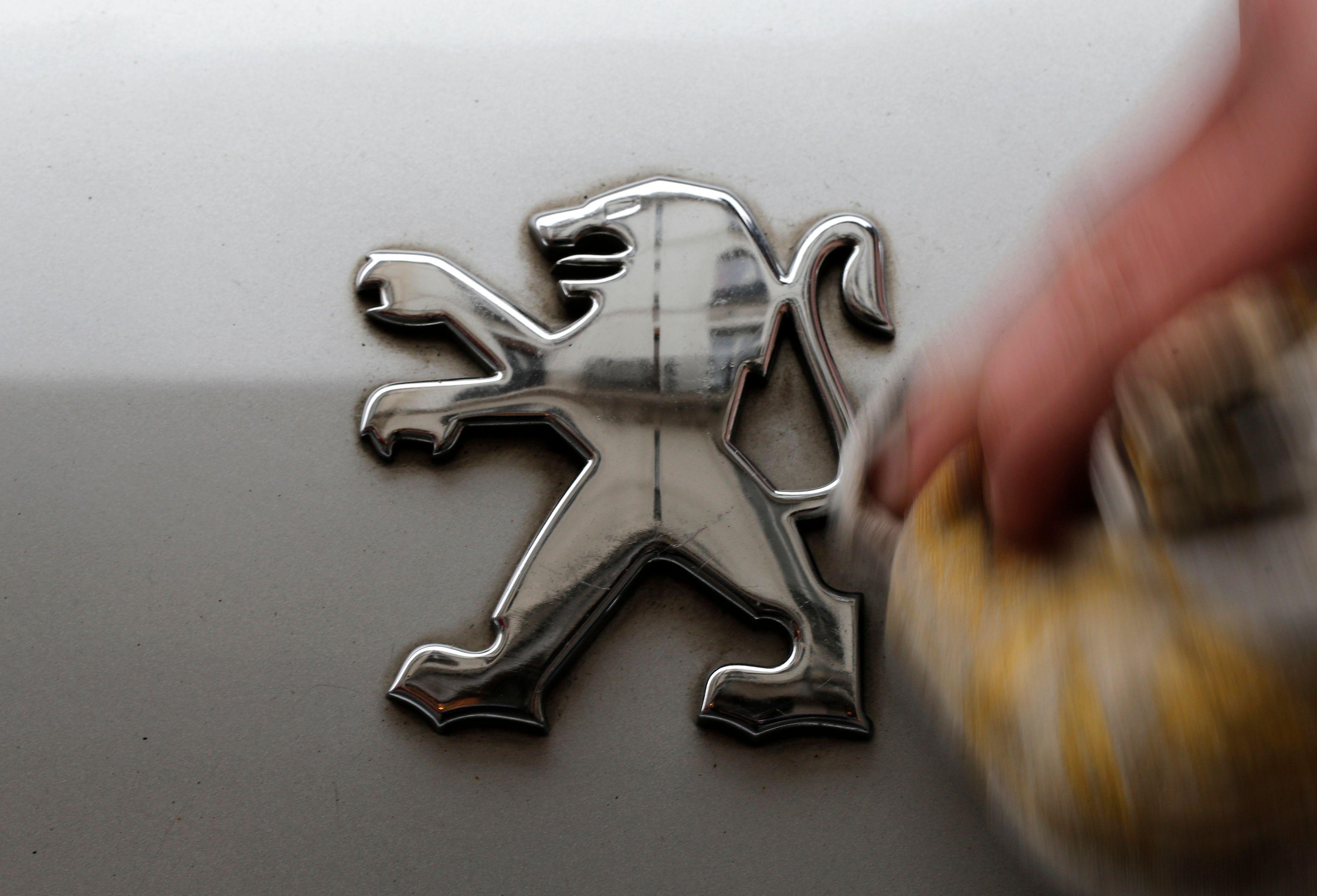 Peugeot multiplie les actions promotionnelles pour vendre ses voitures.