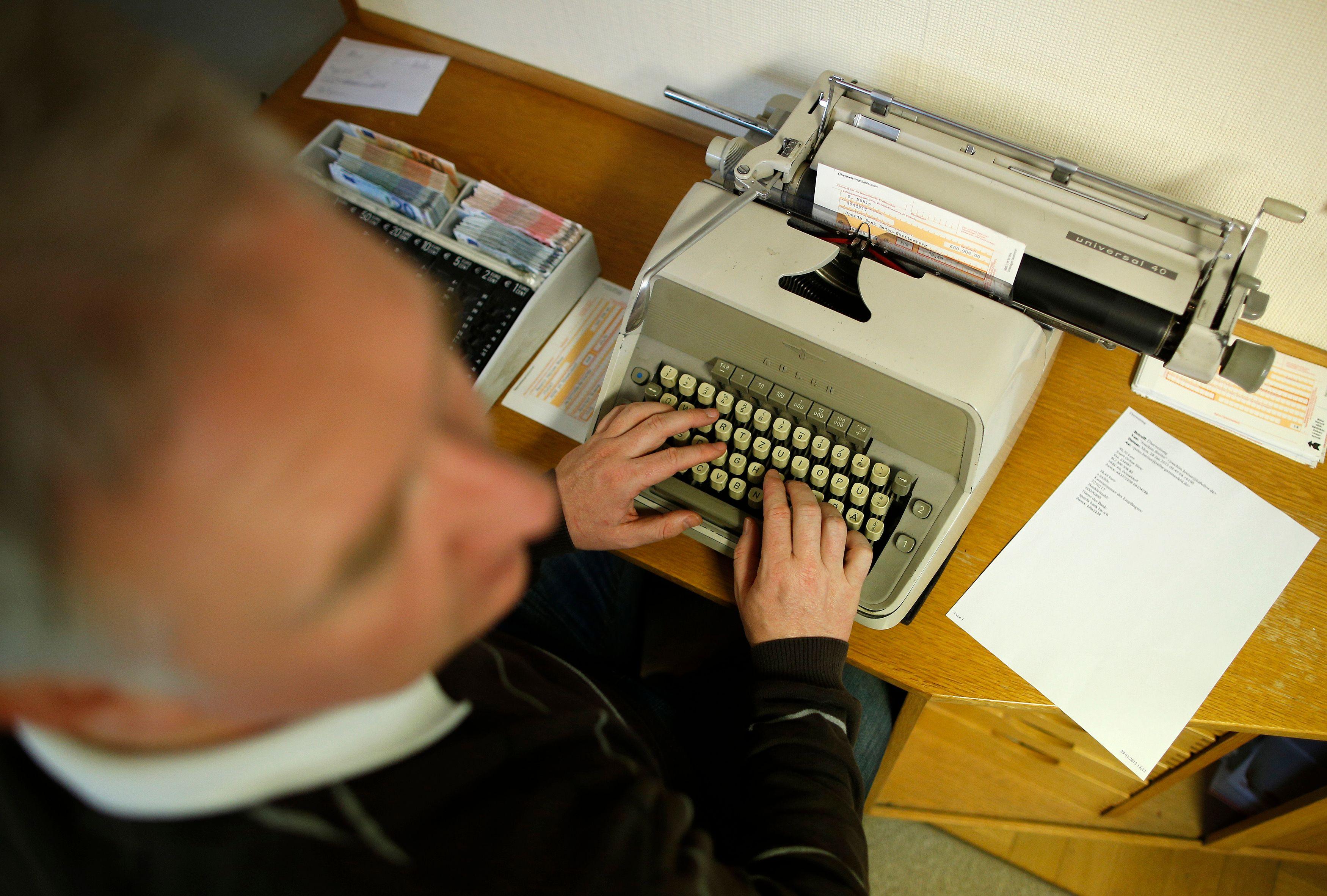 La question de la liberté d'expression des écrivains se posent de plus en plus.
