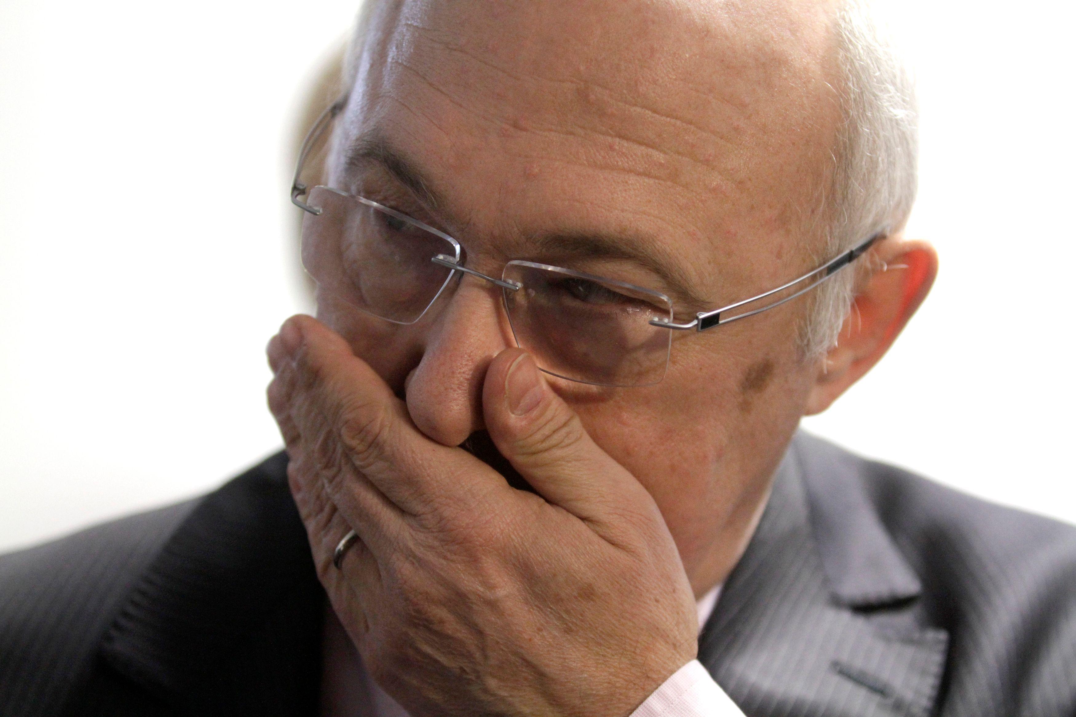"""Valls serait """"un candidat parfaitement naturel"""" si Hollande ne se présente pas, confie Michel Sapin"""
