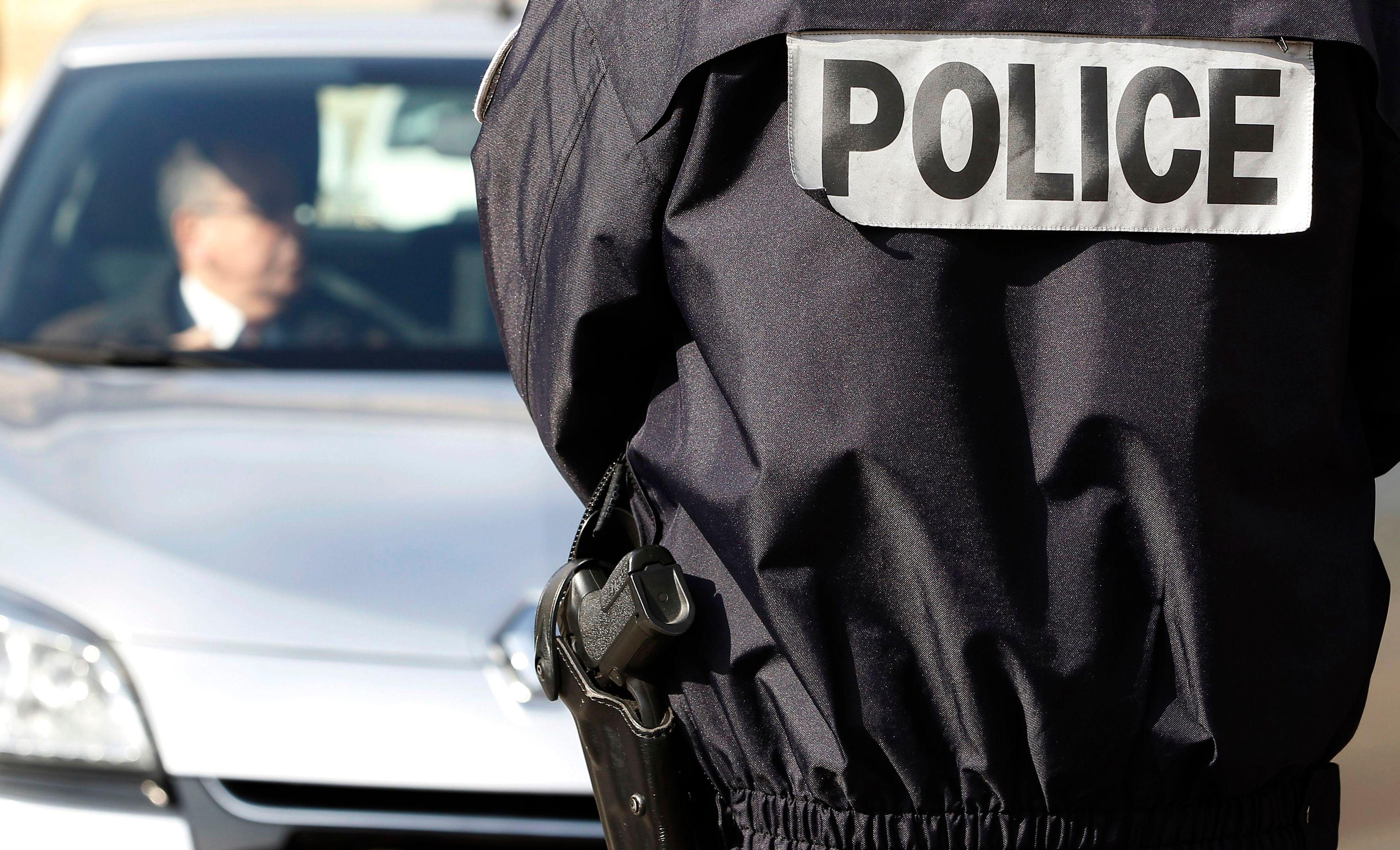 Attentat déjoué à Paris : des documents mentionnant l'Etat islamique trouvés chez Sid Ahmed Ghlam