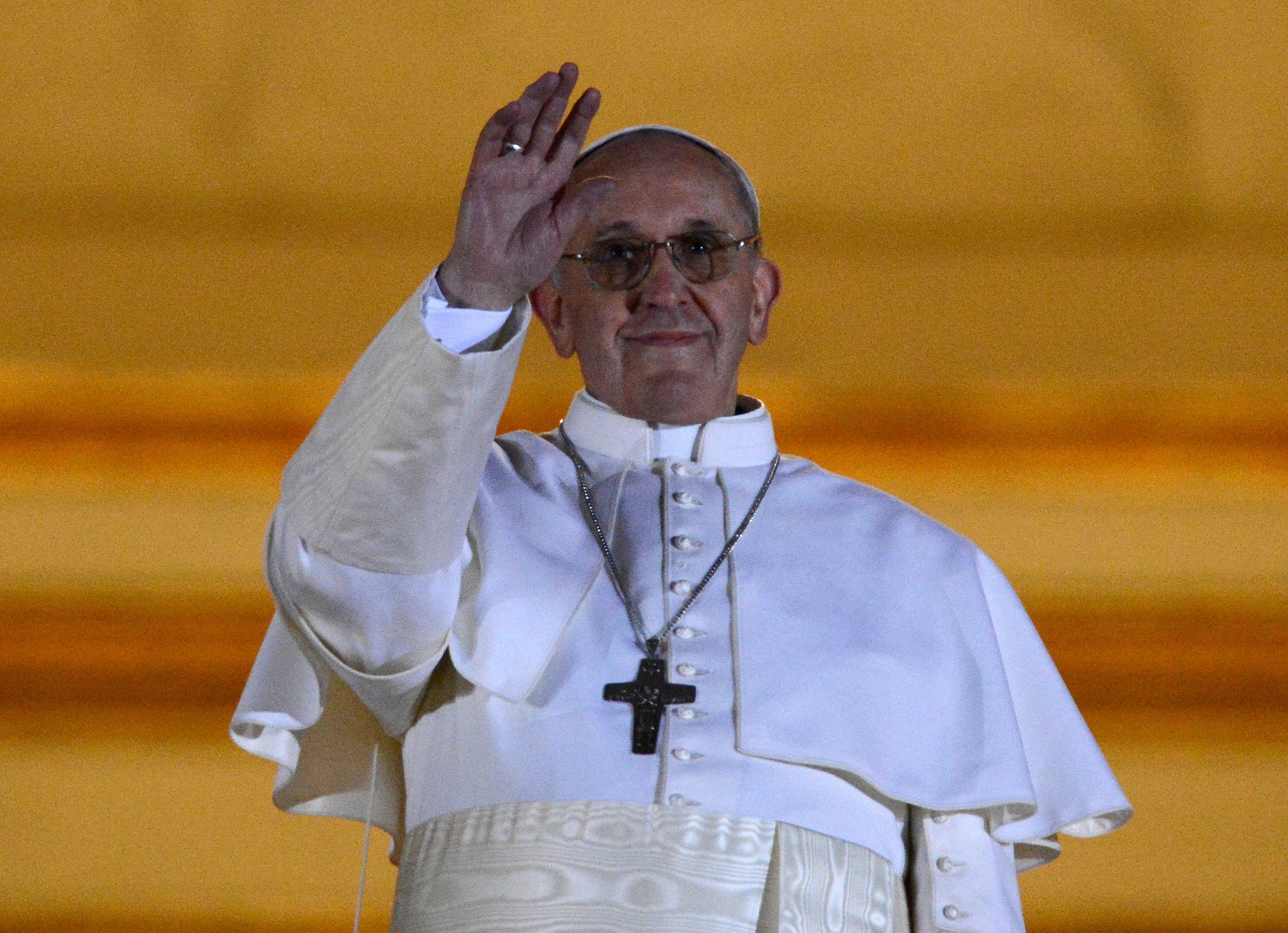 """Le pape François dénonce """"l'horreur"""" de l'avortement et le """"crime"""" de la traite humaine"""