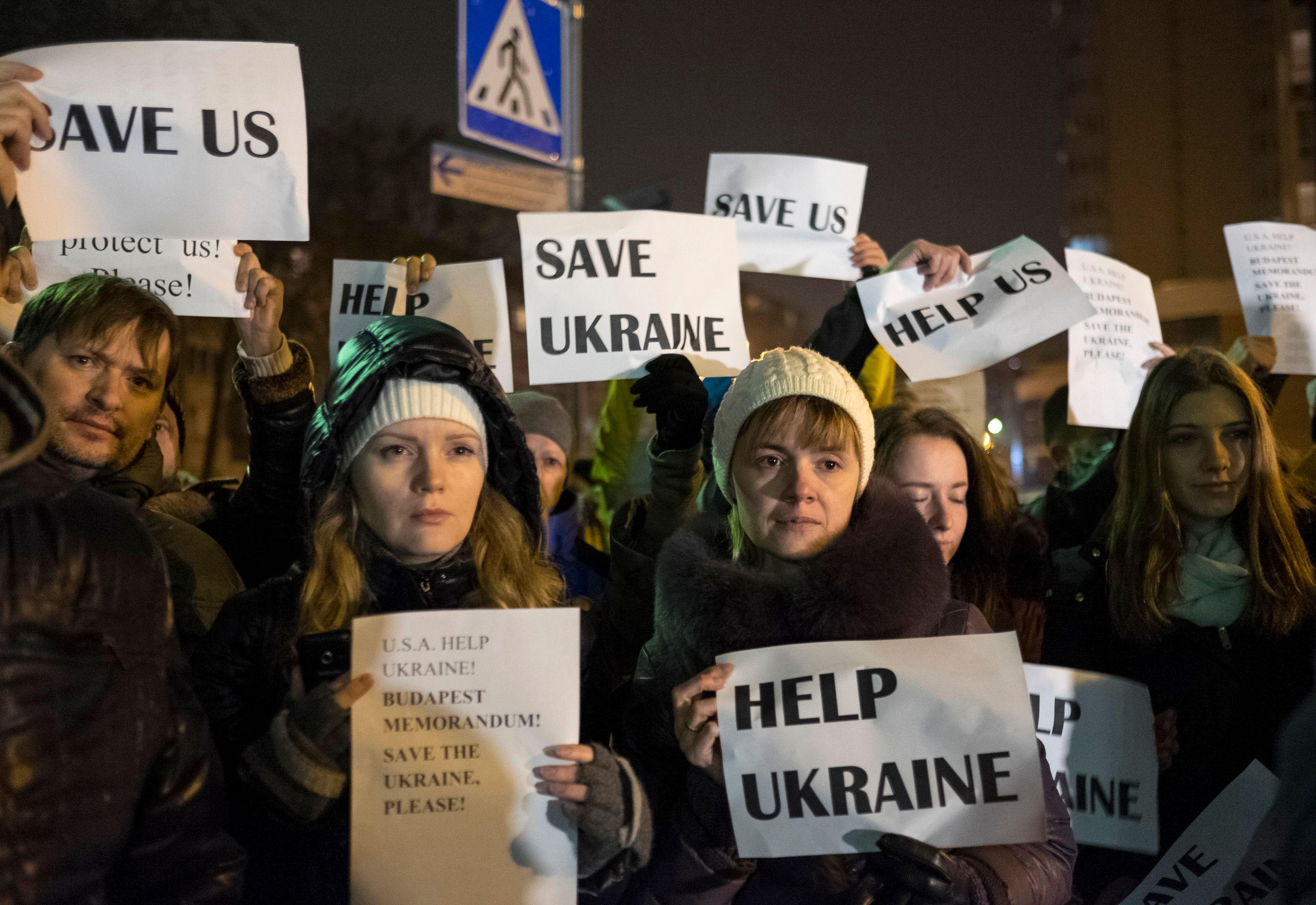La France et le Royaume-Uni ont suspendu leur participation aux réunions préparatoires du G8 de Sotchi (Russie), en réaction aux événements en Ukraine