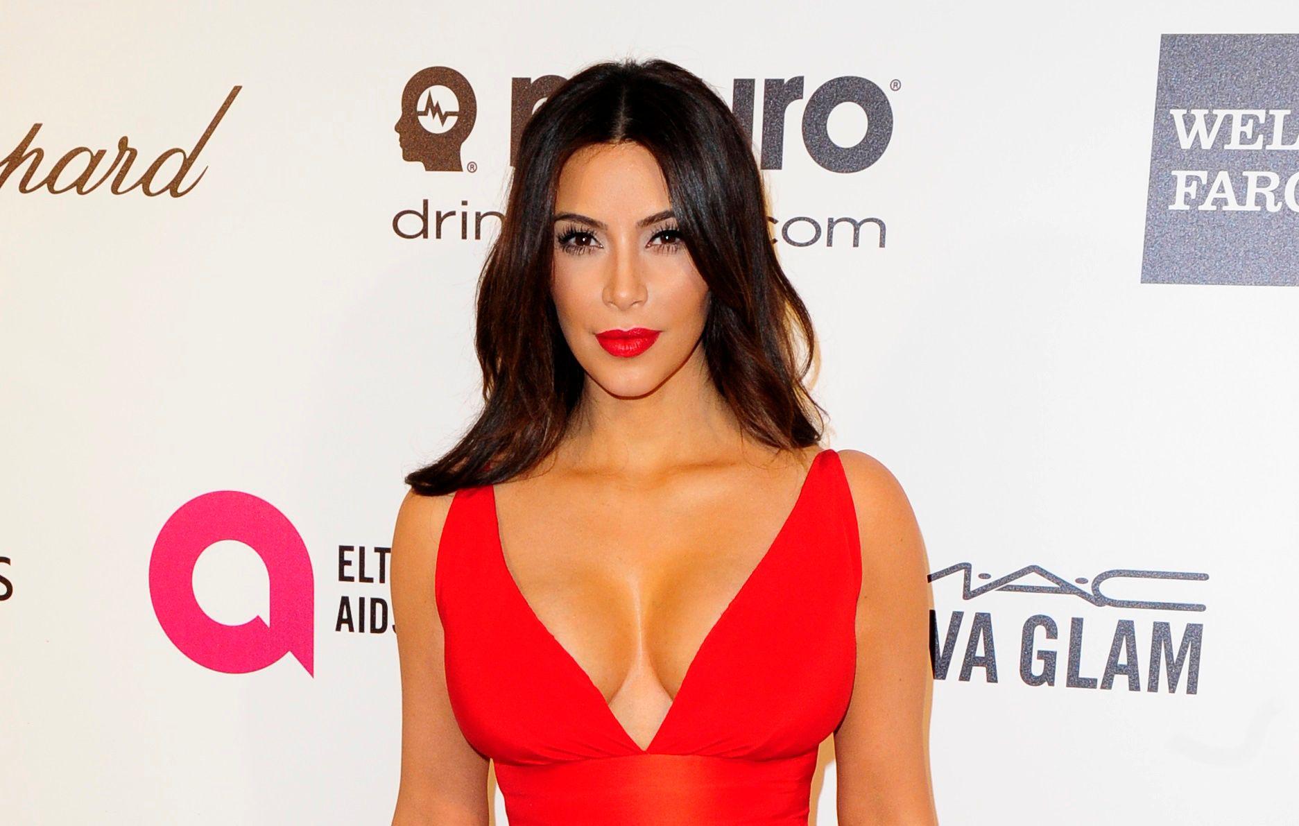 Kim Kardashian a posé une photo d'elle topless