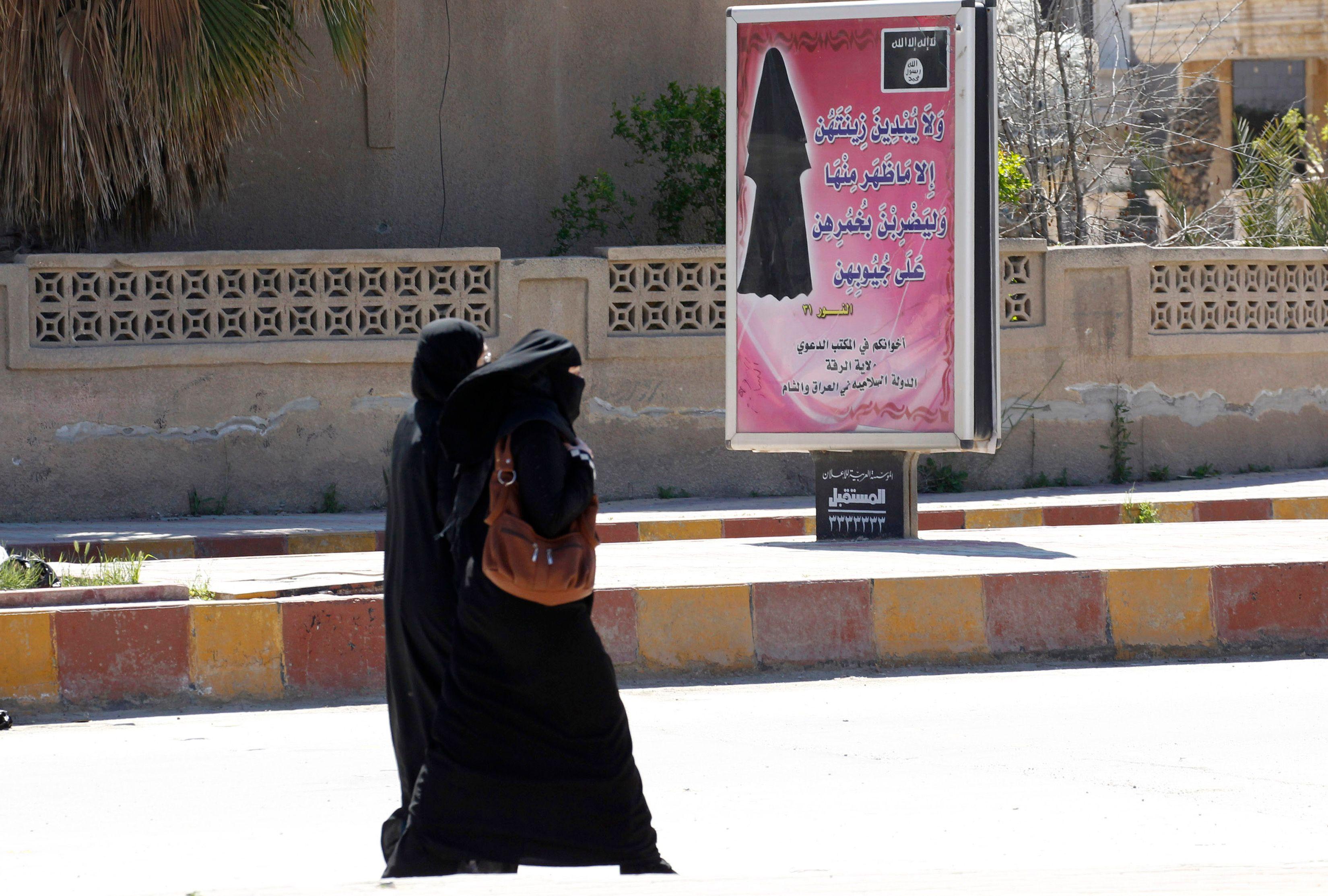 Etat islamique : de plus en plus de Françaises partent faire le djihad