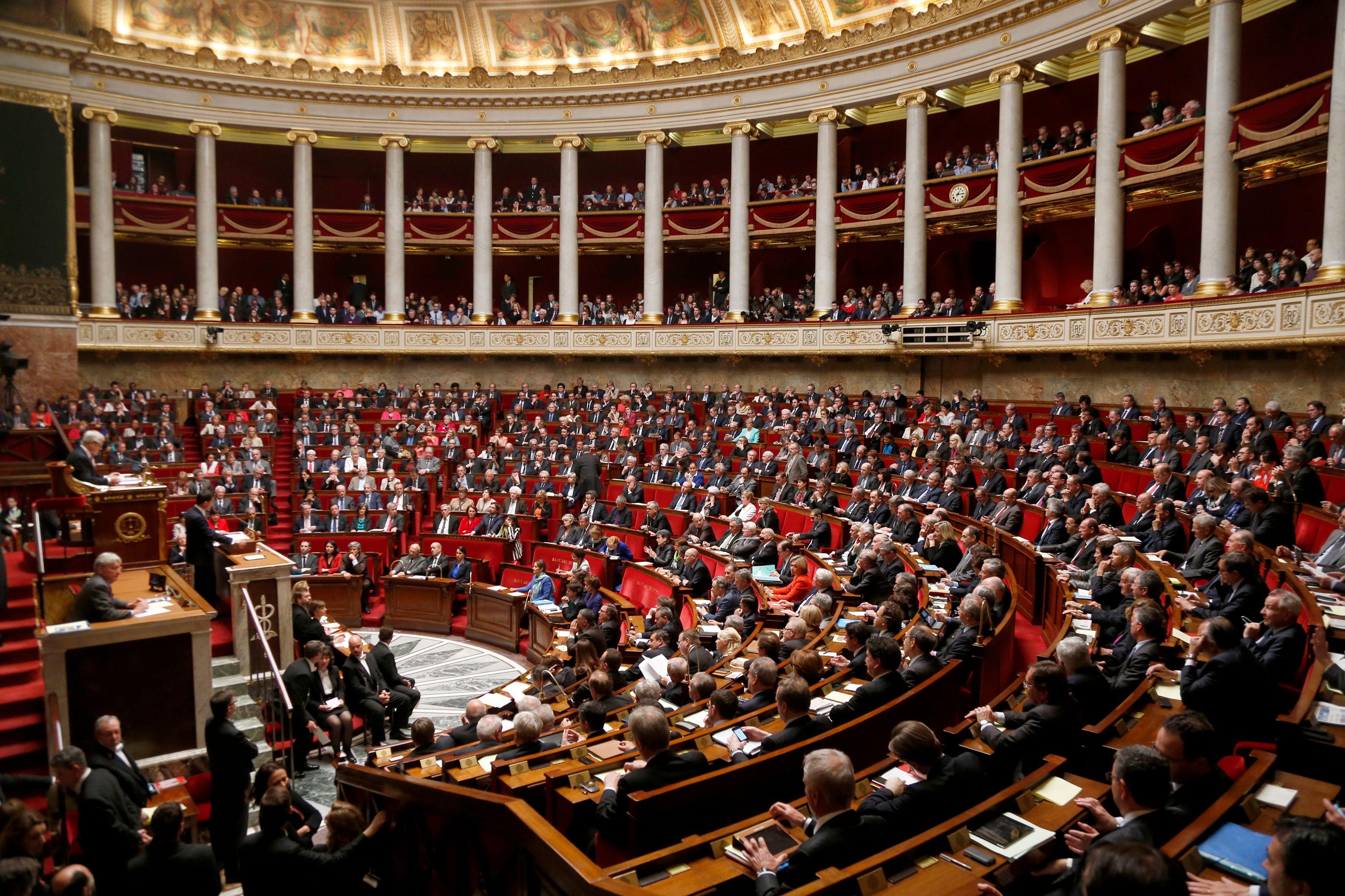 """""""Le débat entre godillots et déloyaux n'a pas de sens"""", indique la tribune signée par 200 députés socialistes publiée par Le Monde ce jeudi 28 août."""