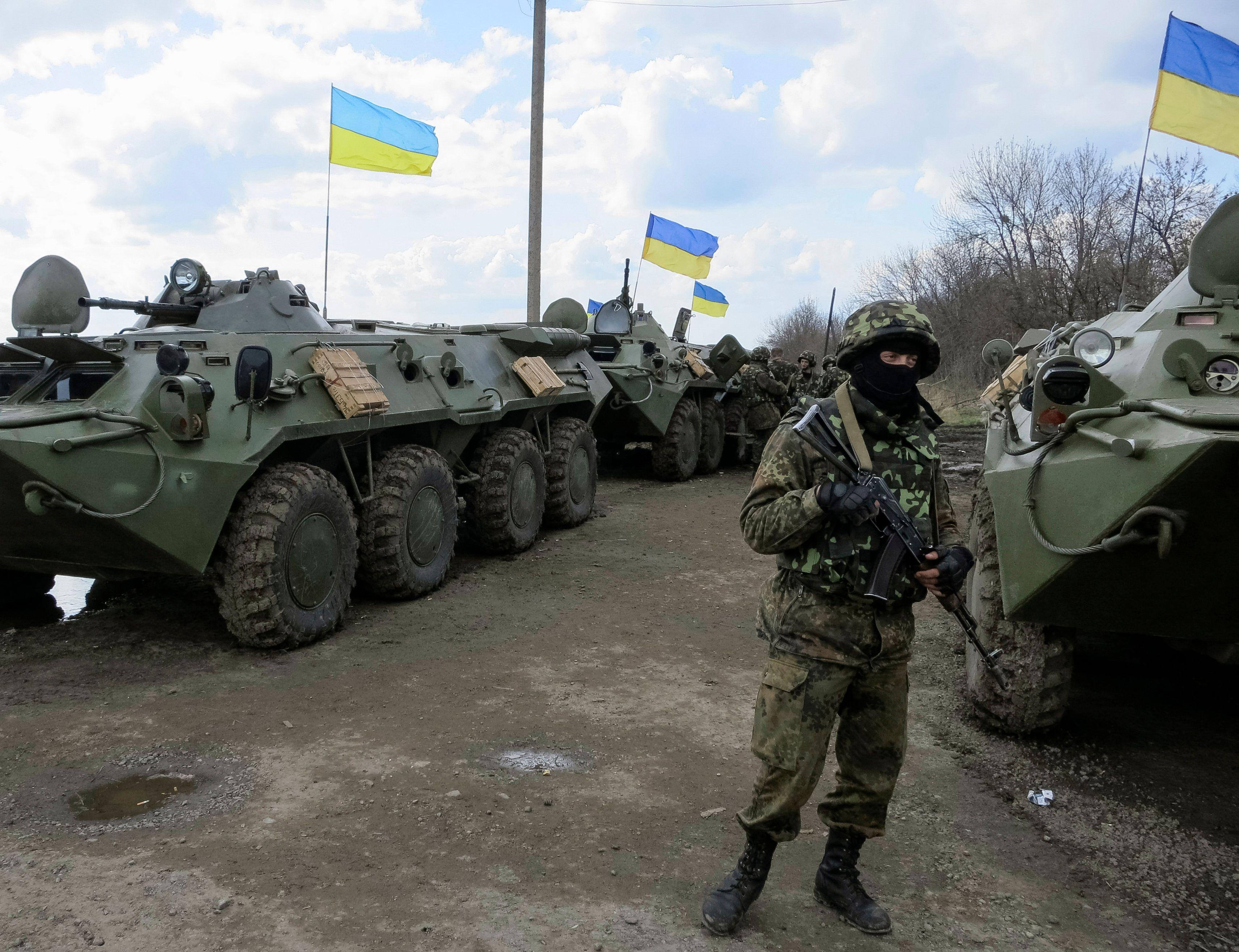 Les chars ukrainiens sont à la frontière