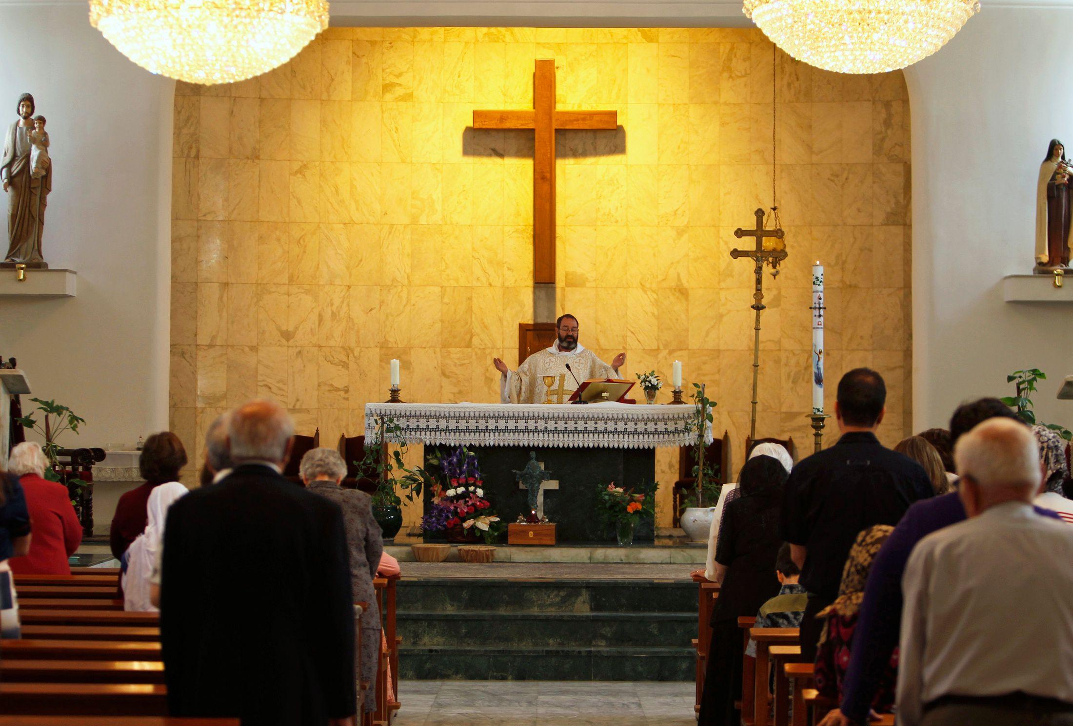 Les chrétiens d'Irak, et plus particulièrement de Mossoul, sont poussés à l'exil
