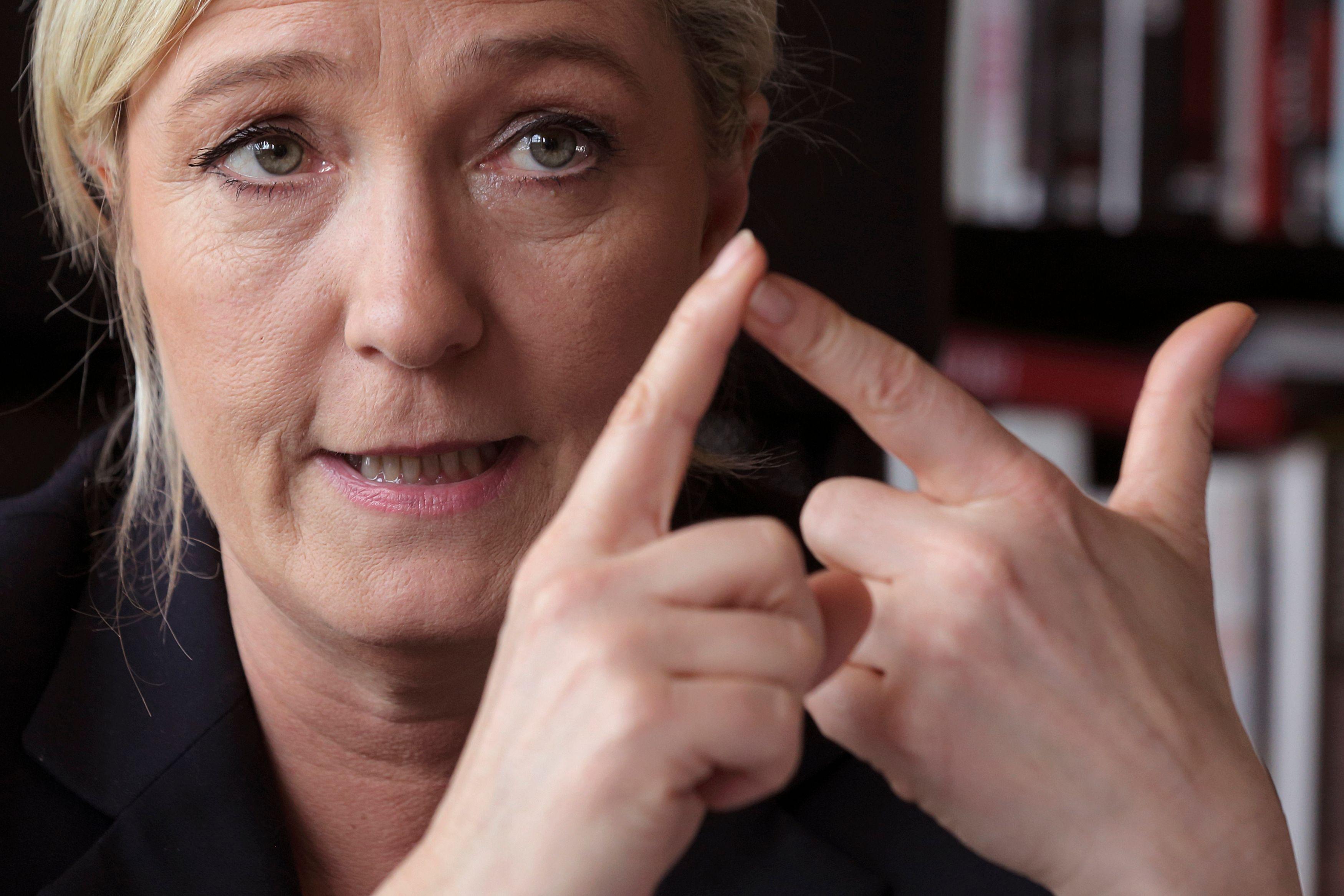 Marine Le Pen avait déclaré qu'elle dévoilerait les lettres de refus des banques françaises.