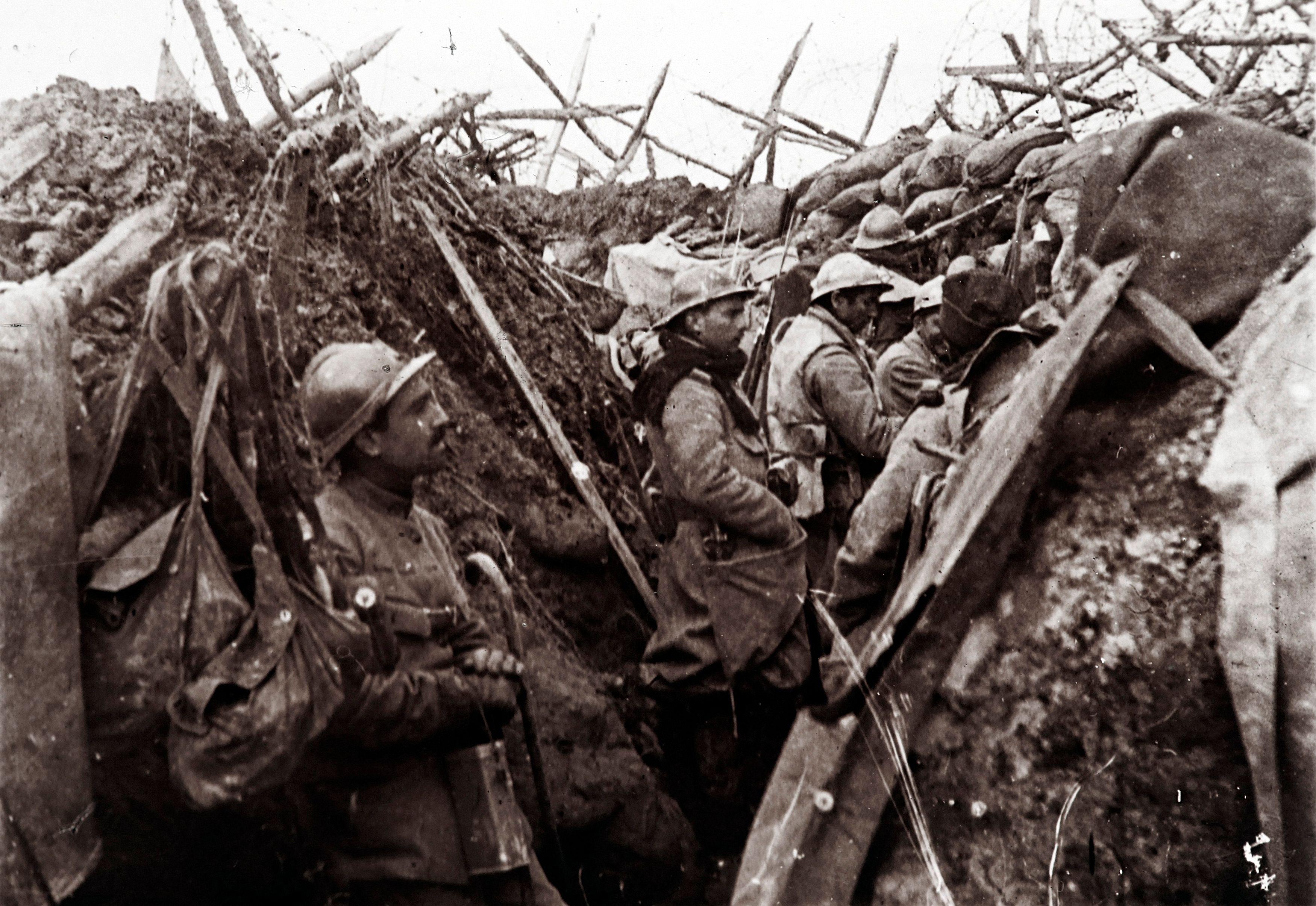 Première guerre mondiale : une collection de photos de la vie dans les tranchées publiée pour la première fois