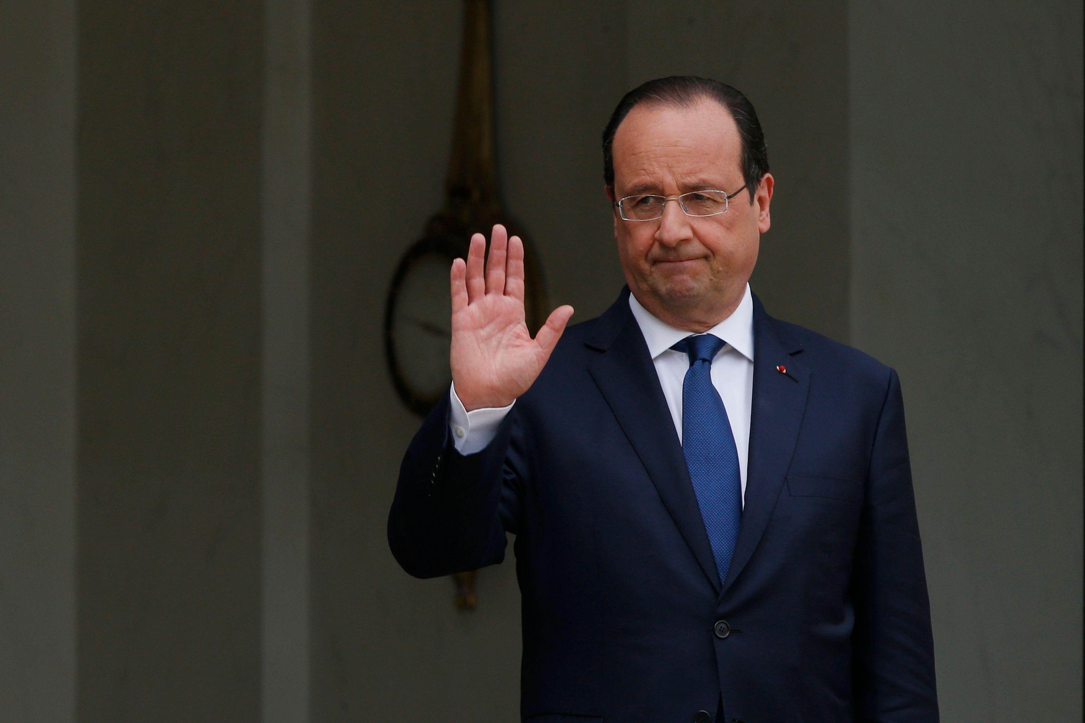 Pourquoi  Hollande reste serein dans la tempête et pourquoi il a tort