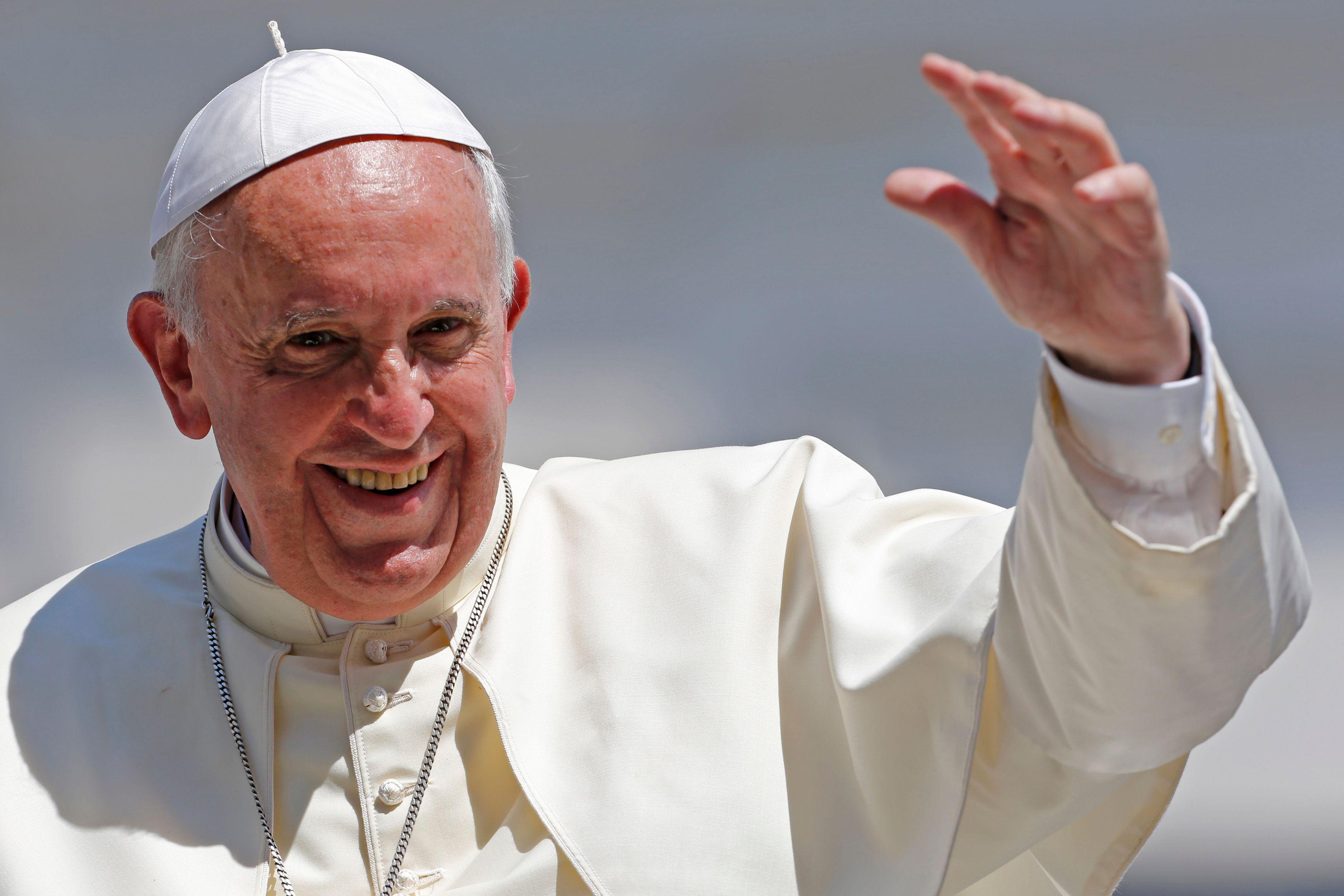 """Le pape François s'exprime sur la pédophilie : """"aucune place dans le ministère de l'Eglise pour ceux qui abusent des mineurs"""""""