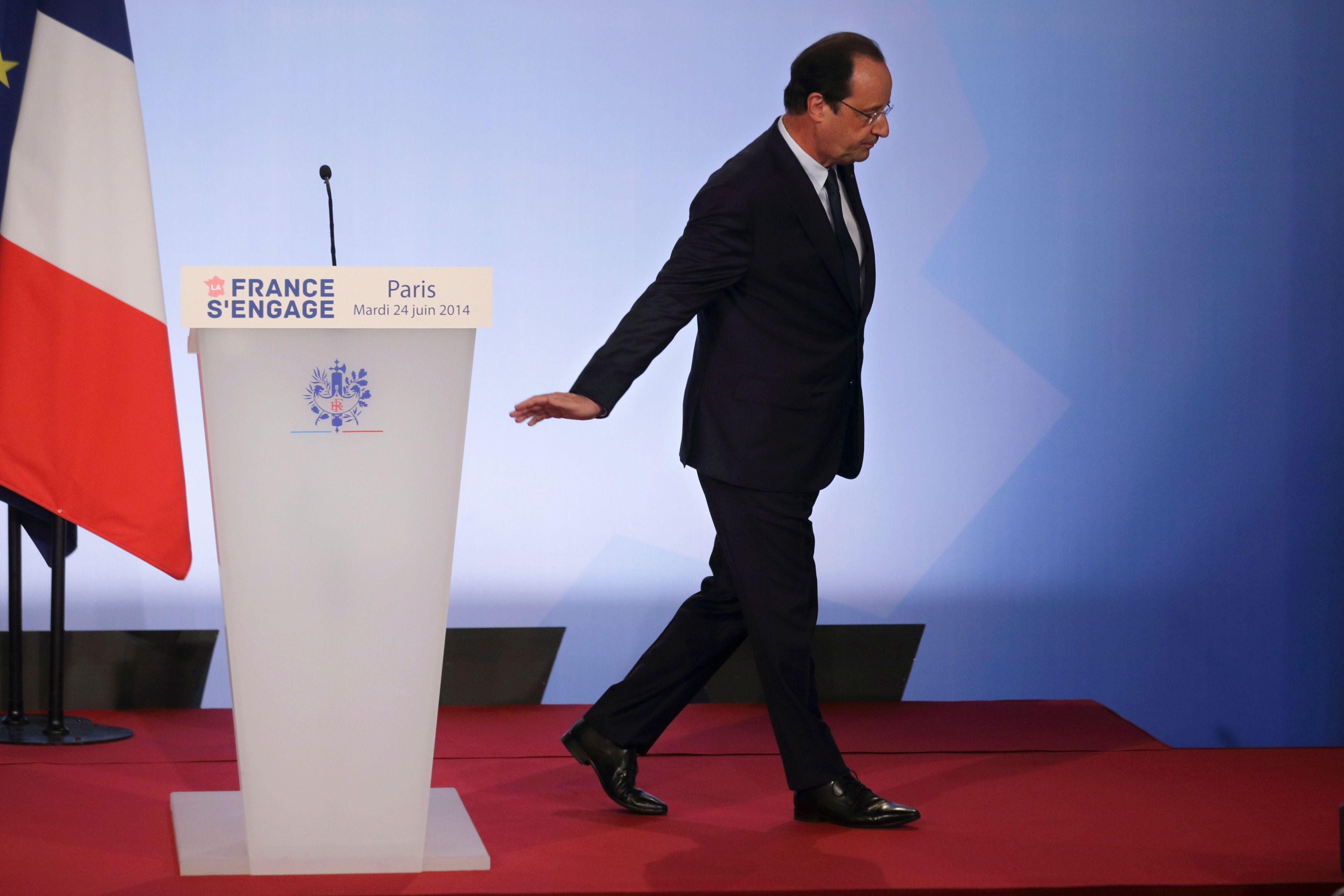 Devant la catastrophe financière, l'État se résout à rapprocher Areva d'EDF, mais Hollande n'a pas osé dire qui paierait